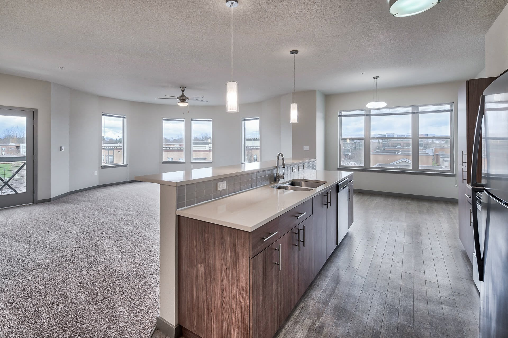 Stylish Apartments with Large Windows at Platform 14, 97124, OR