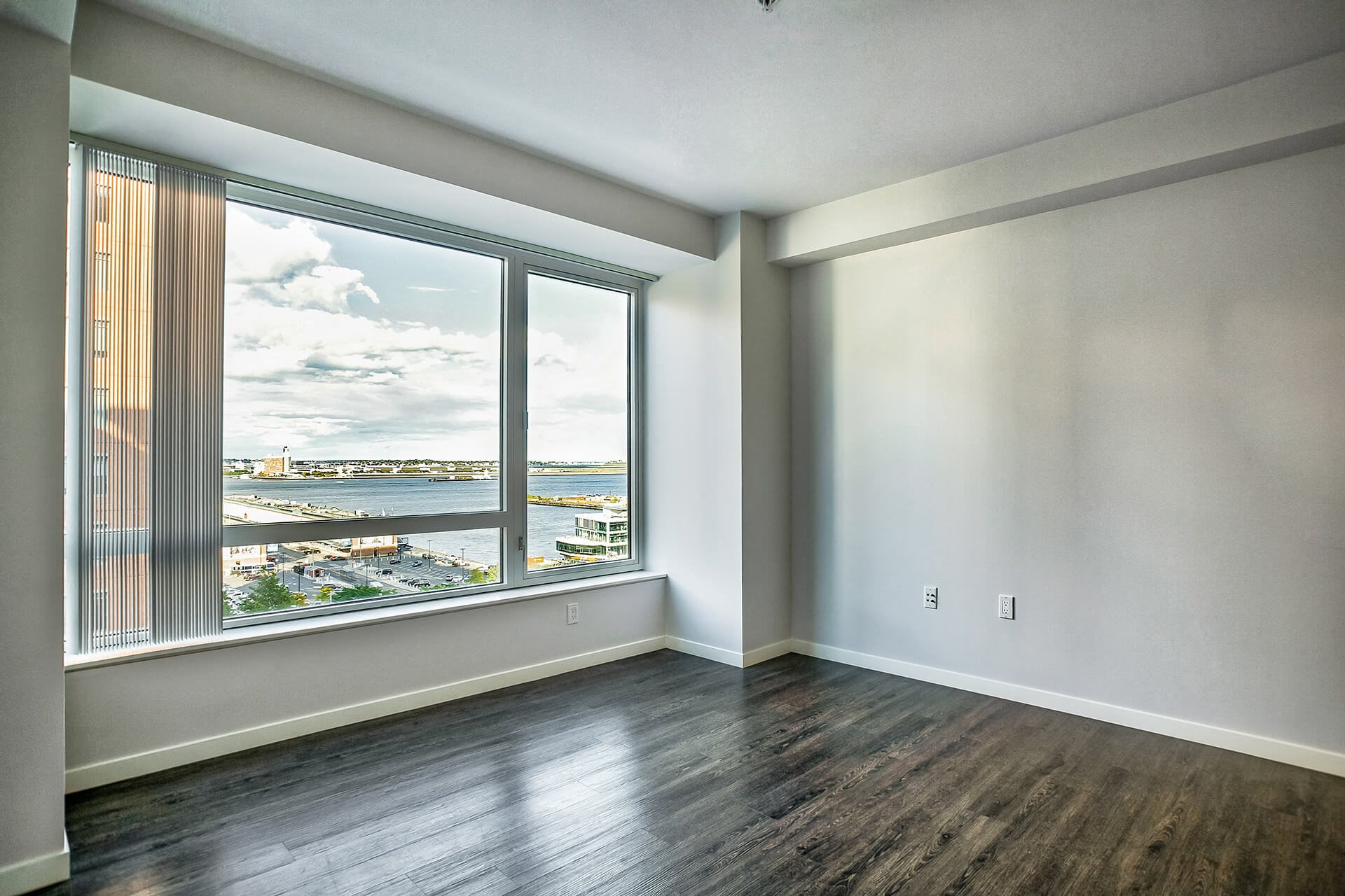 Hardwood flooring at Waterside Place by Windsor, 505 Congress St, Boston