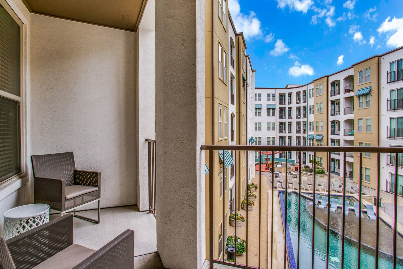 Apartments with Patio/Balcony Available at The Monterey by Windsor, Dallas, 75204