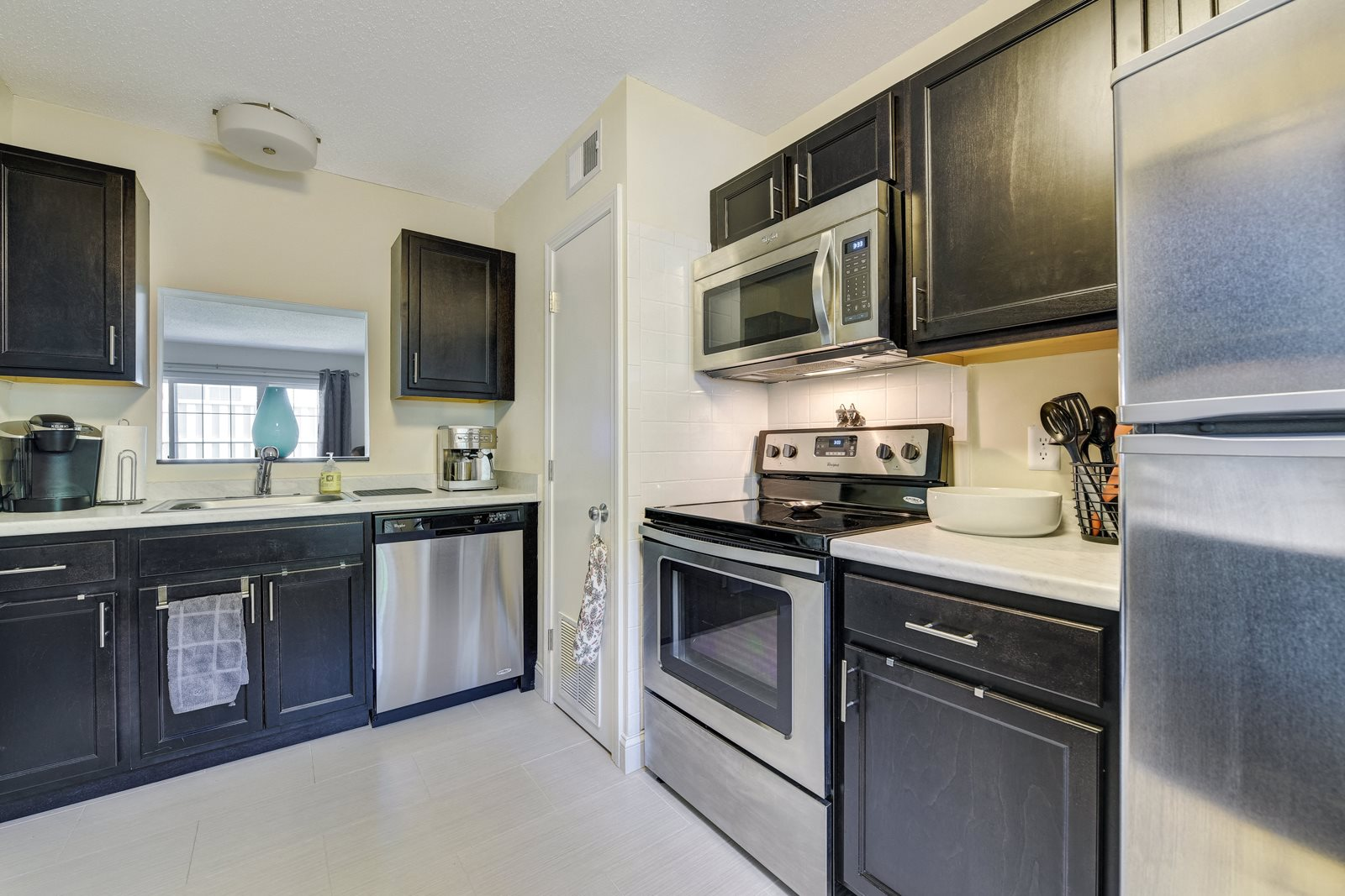 Renovated Kitchens with Stainless Steel Appliances at Windsor Ridge at Westborough, 1 Windsor Ridge Drive, MA