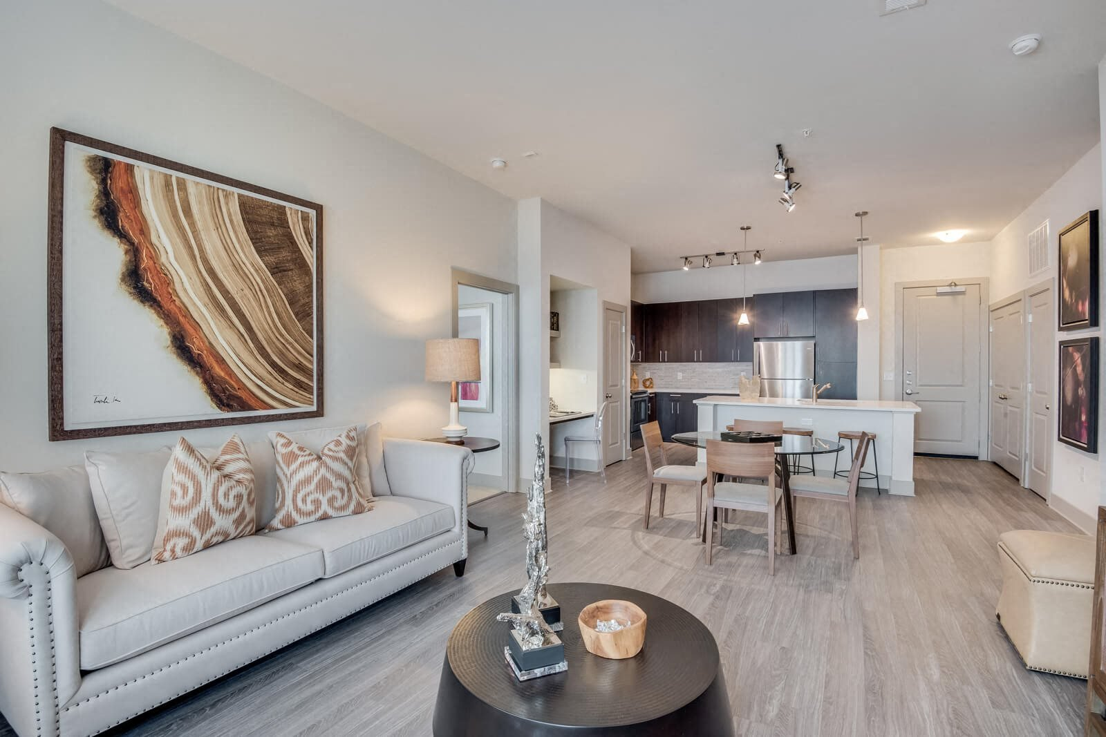 One and Two Bedrooms Apartments at Windsor at West University, Texas, 77005