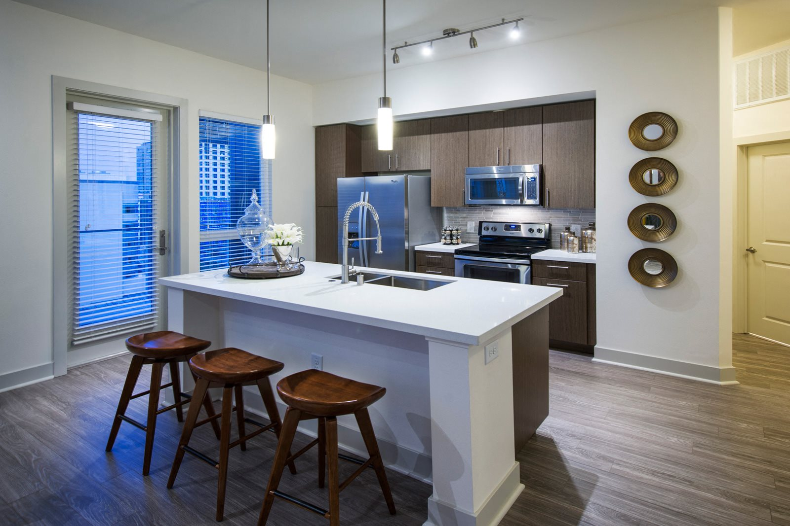 Kitchens with Custom Cabinetry and Kitchen Islands at Olympic by Windsor, 90015, CA
