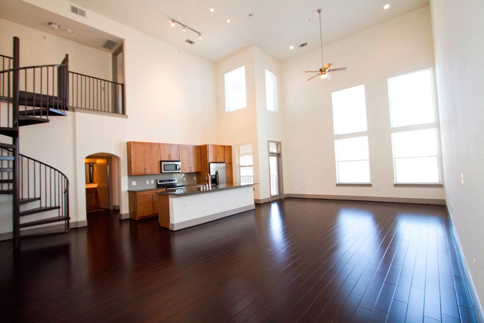 Dramatic 9' Ceilings at The Monterey by Windsor, Texas, 75204
