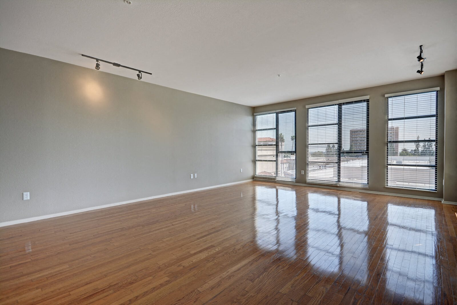 Hardwood, Concrete, or Carpeted Flooring Available at Terraces at Paseo Colorado, 375 E. Green Street, Pasadena