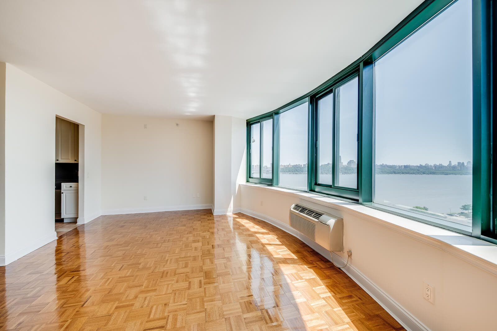 Luxurious and Spacious Interiors at Windsor at Mariners, Edgewater, NJ