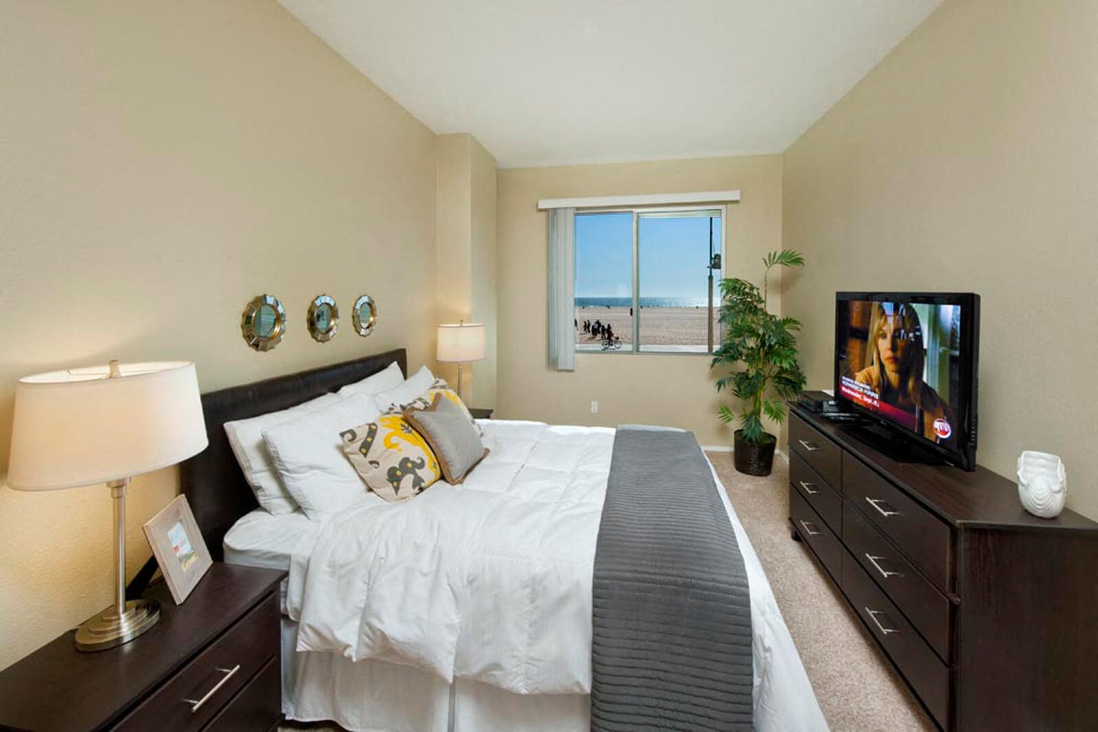 Large, Spacious Bedrooms at Sea Castle, Santa Monica, CA