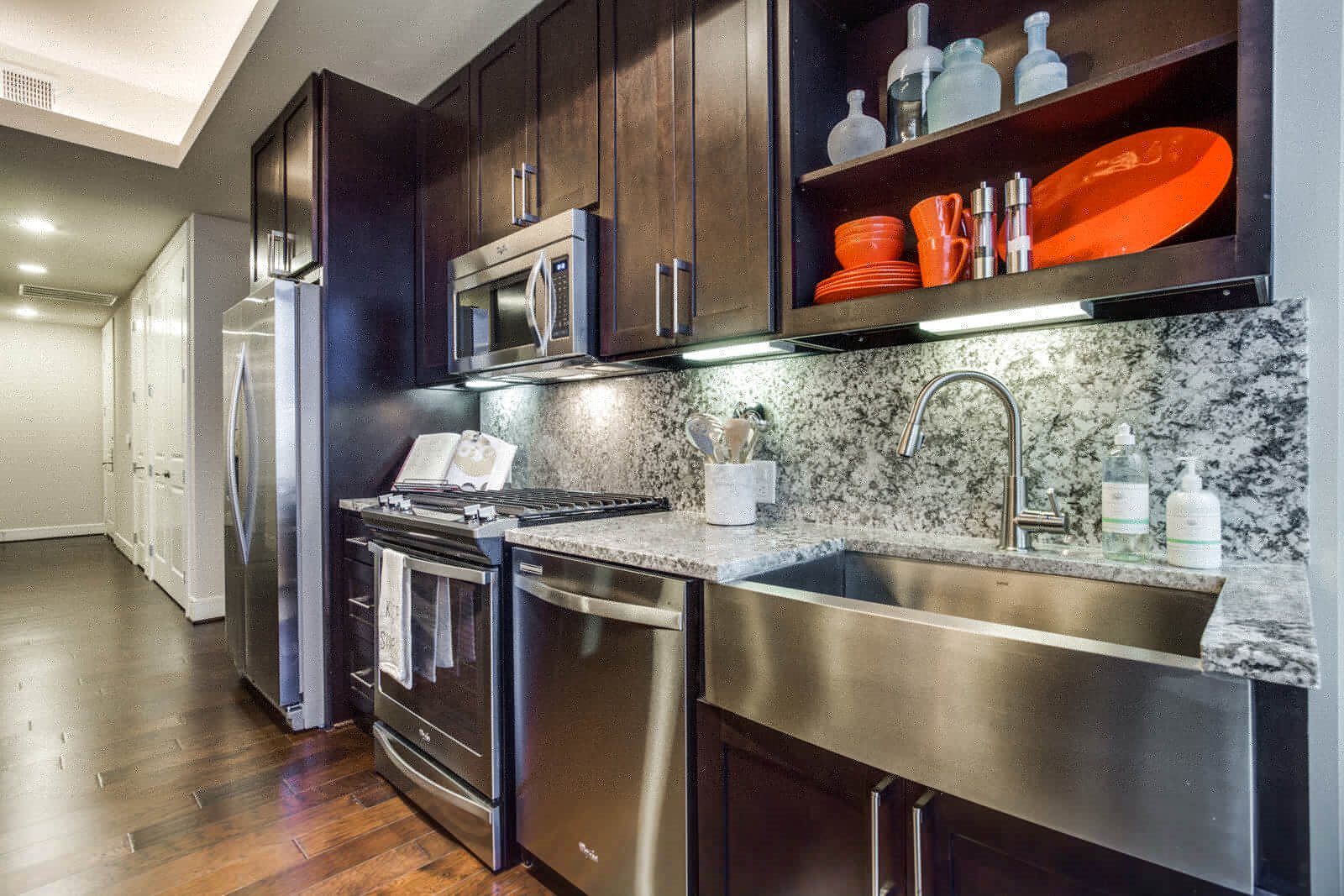 Upscale Stainless Steel Appliances at The Jordan by Windsor, 2355 Thomas Ave, Dallas