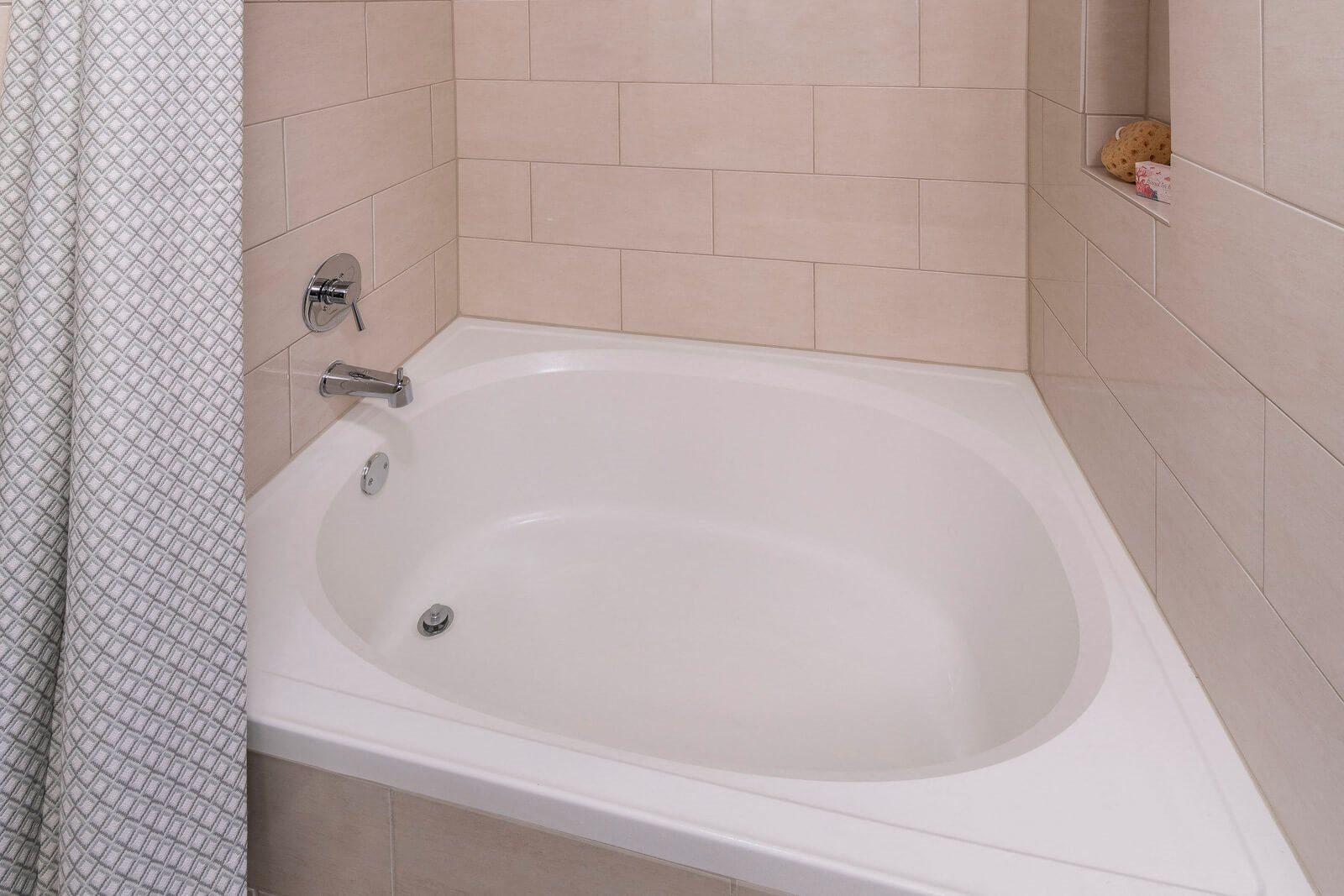 Spa-Inspired Bathtubs at Windsor Old Fourth Ward, 608 Ralph McGill Blvd NE, GA