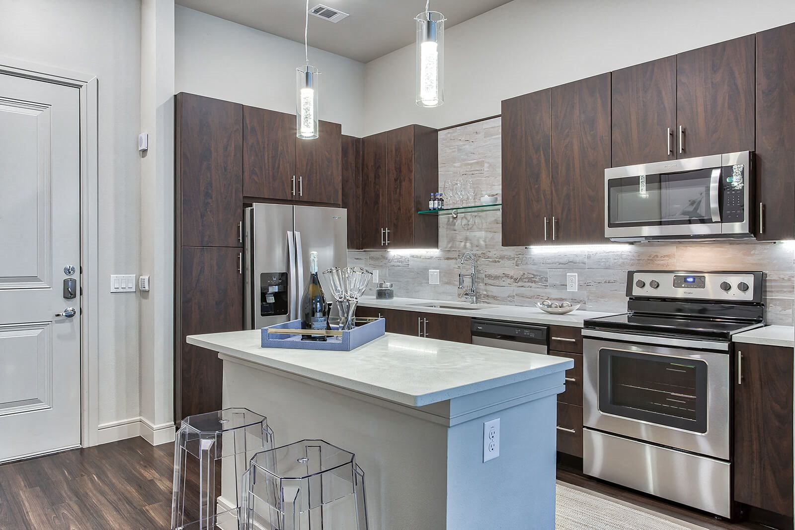 Fully equipped kitchen at Windsor Turtle Creek, Dallas, TX