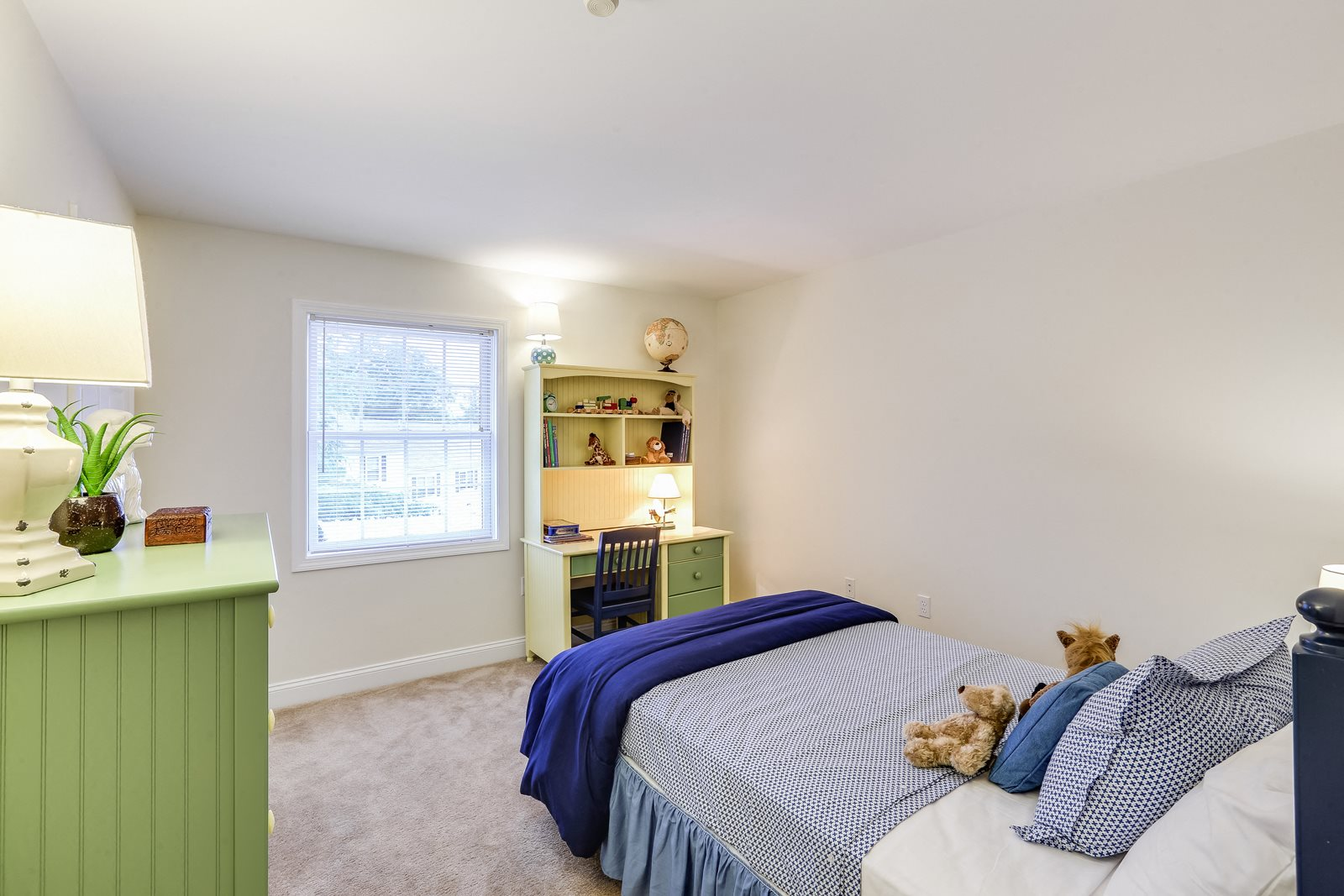 Expansive Guest Bedroom at Windsor Ridge at Westborough, 1 Windsor Ridge Drive, Westborough