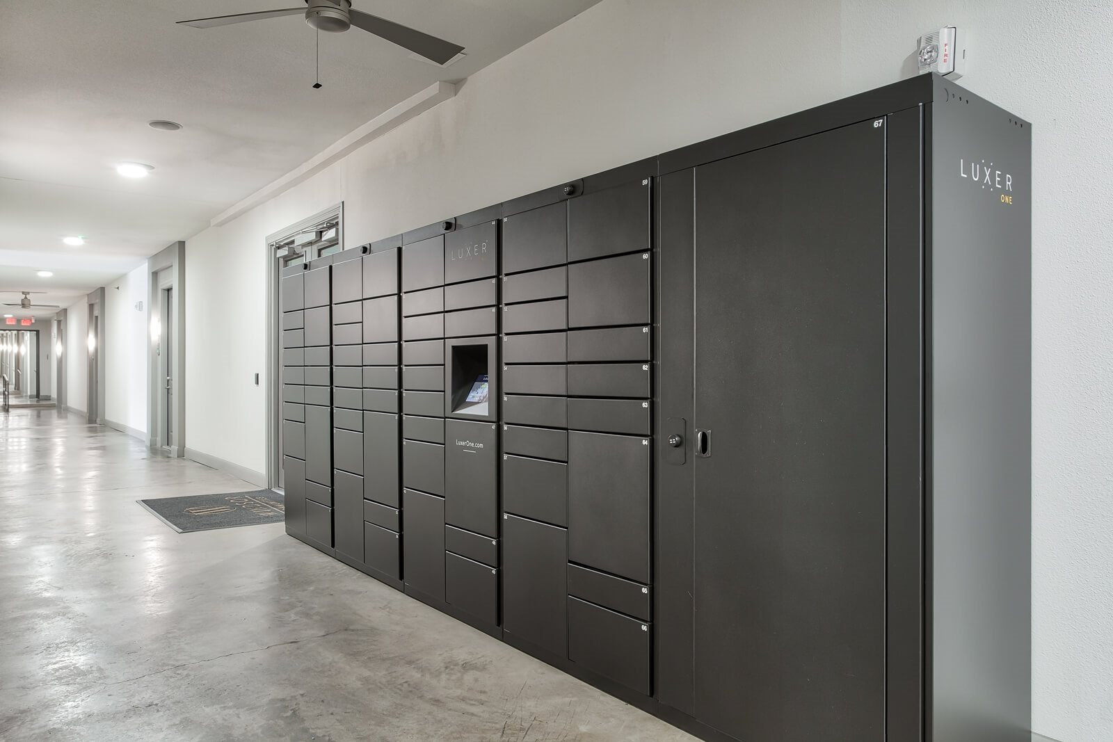 24/7 Package Lockers at Windsor West Lemmon, 3650 Cedarplaza Lane, Dallas