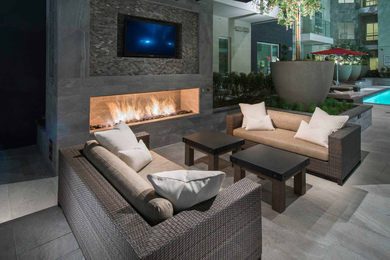 Resident Courtyard with Fireplace at Olympic by Windsor, Los Angeles, CA