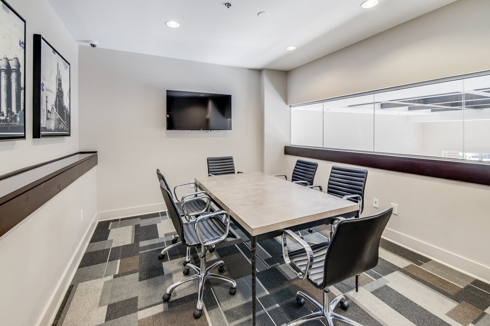 Private Conference Room with Smart TV at Windsor at Brookhaven, Atlanta, Georgia