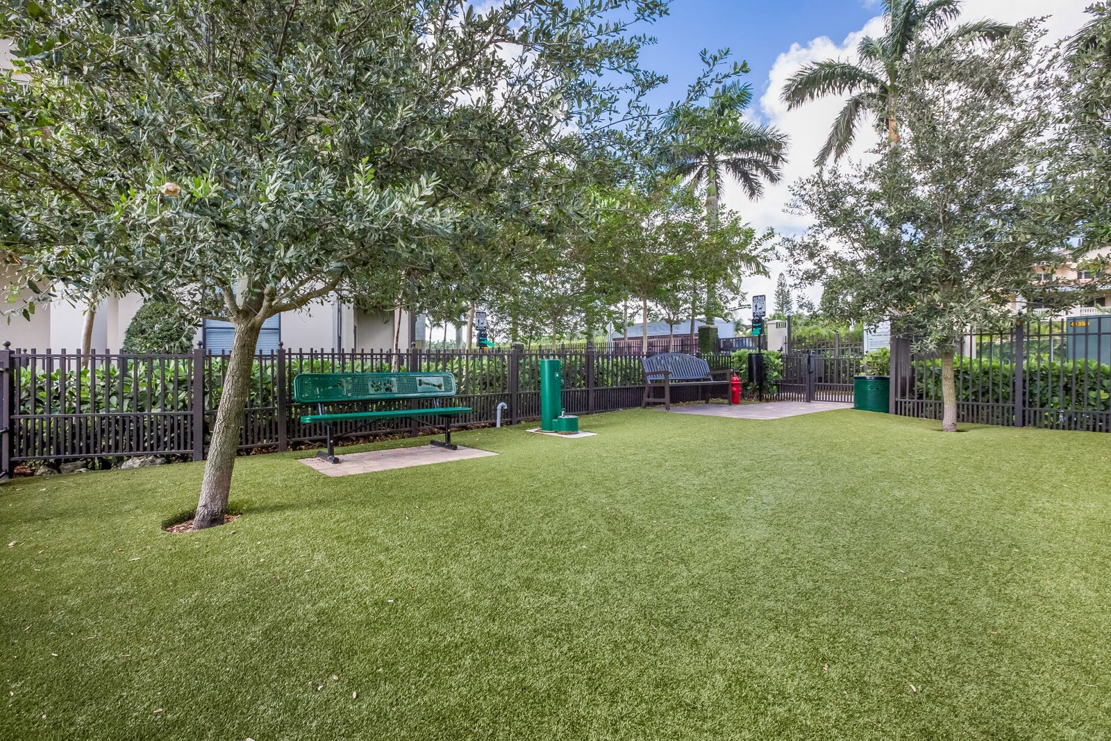Pet-Friendly Apartments with Bark Park at Windsor at Doral, Doral, 33178