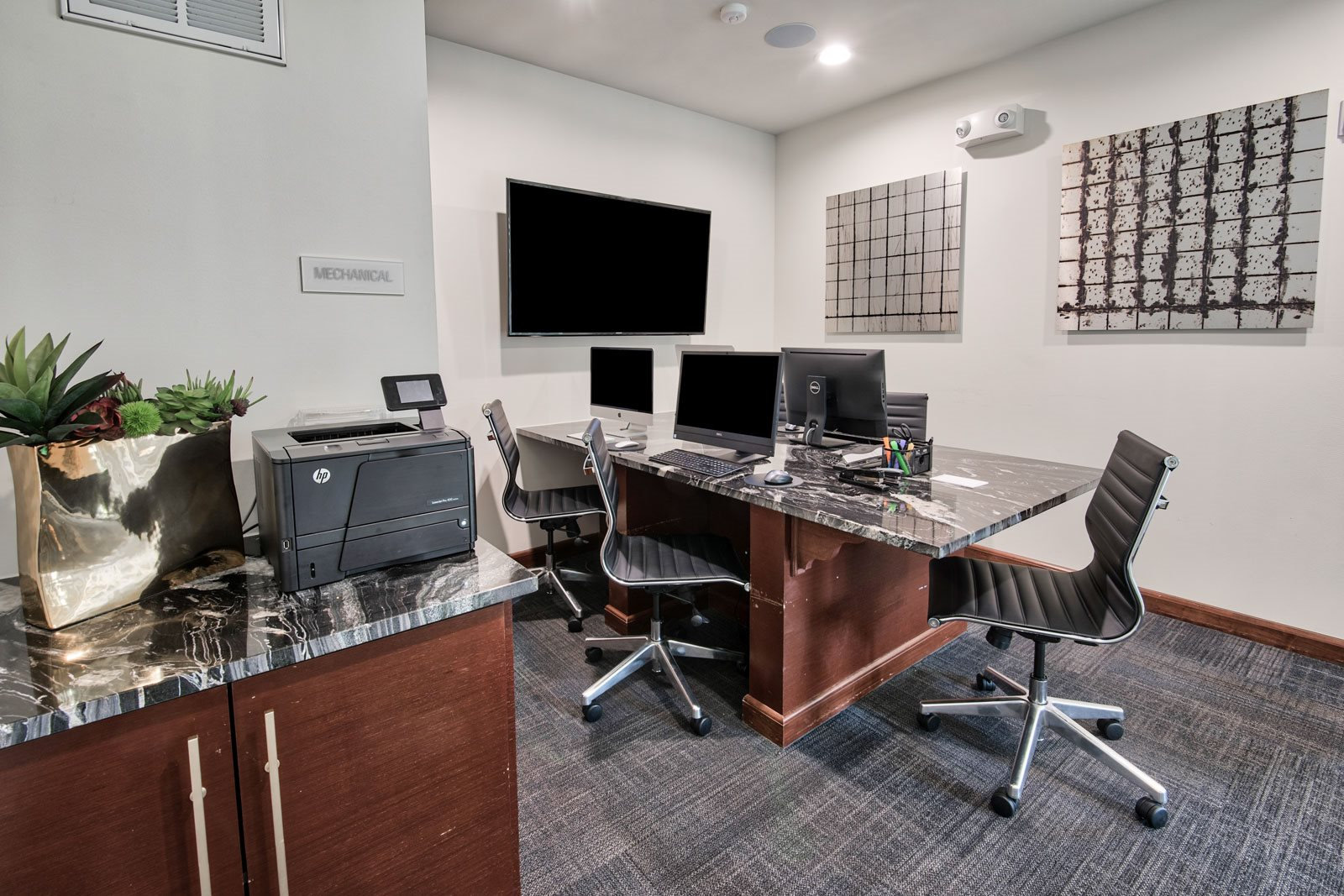 Business Center with High Speed Internet at Midtown Houston by Windsor, Houston, 77002