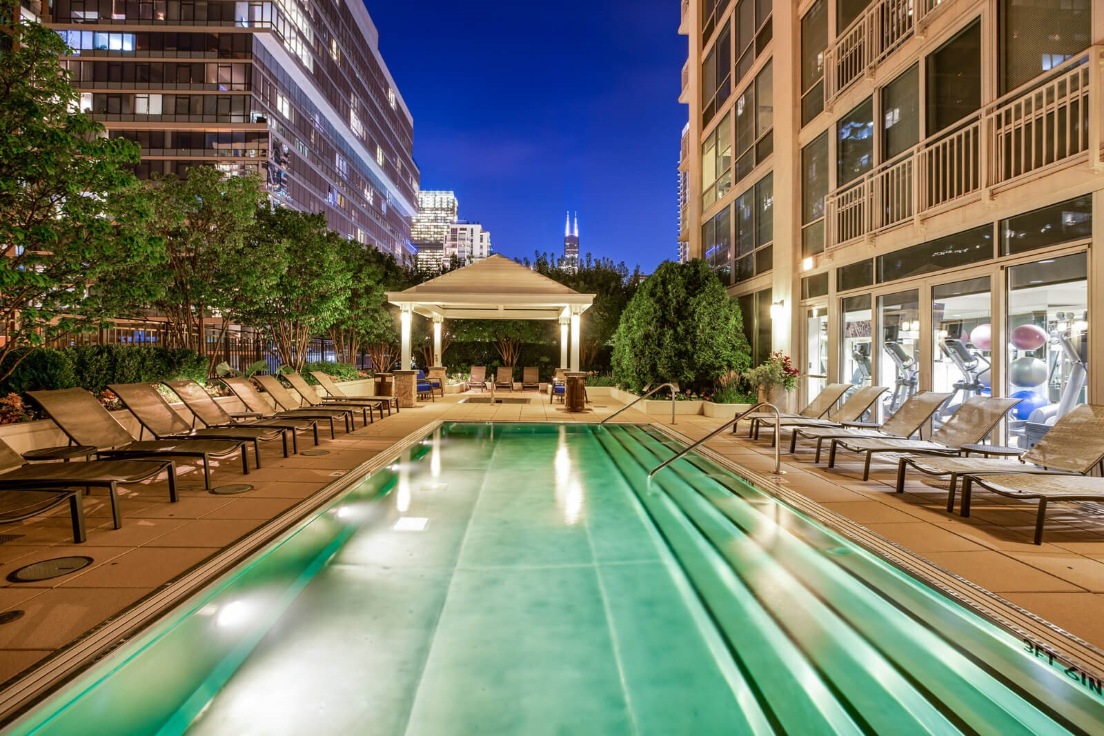 Incredible Indoor and Outdoor Amenities at Flair Tower, Chicago, Illinois