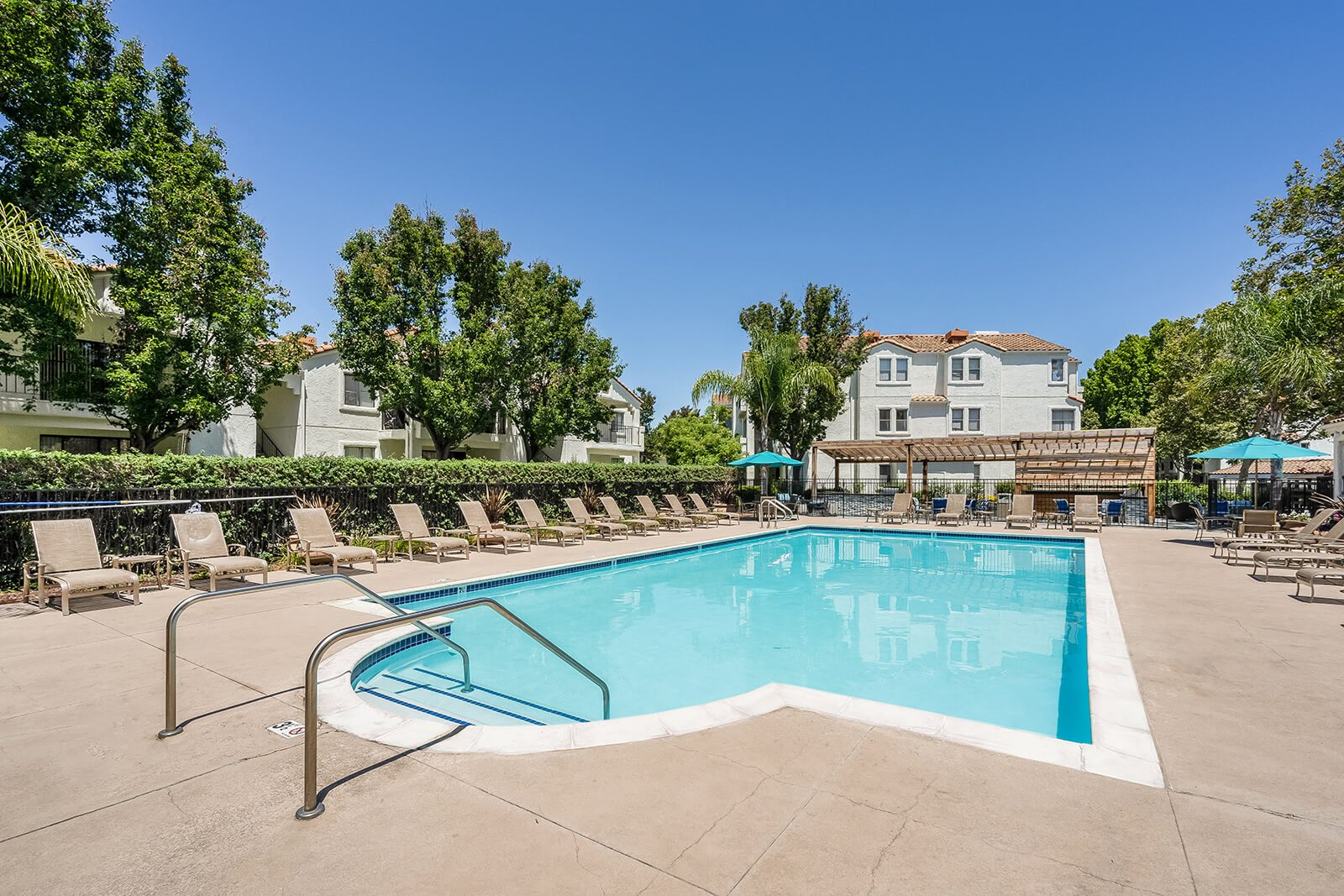Comfortable Apartments with Thoughtful Amenities at Mission Pointe by Windsor, 1063 Morse Avenue, Sunnyvale