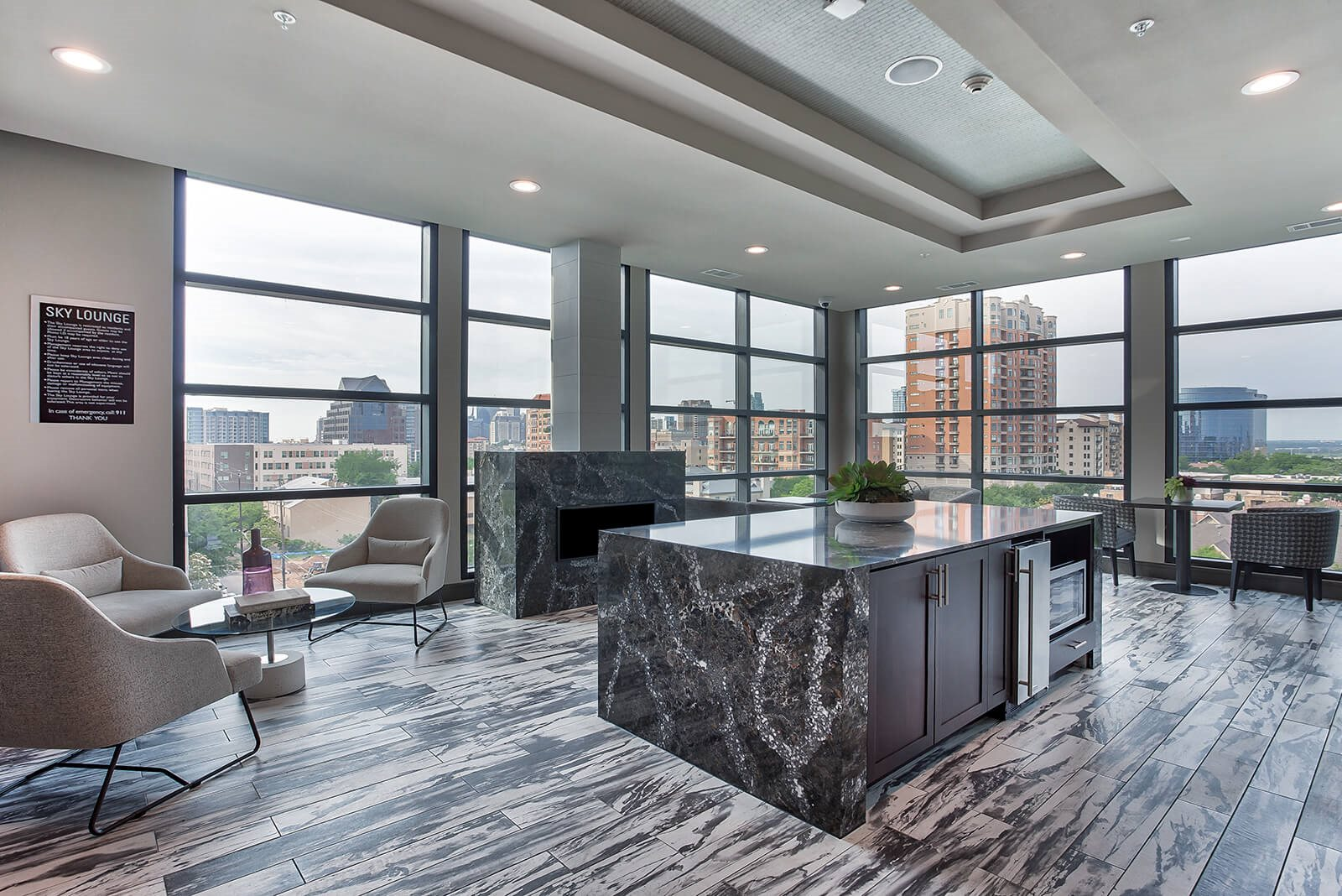 Resident sky lounge with a stunning view at Windsor Turtle Creek, Dallas, TX