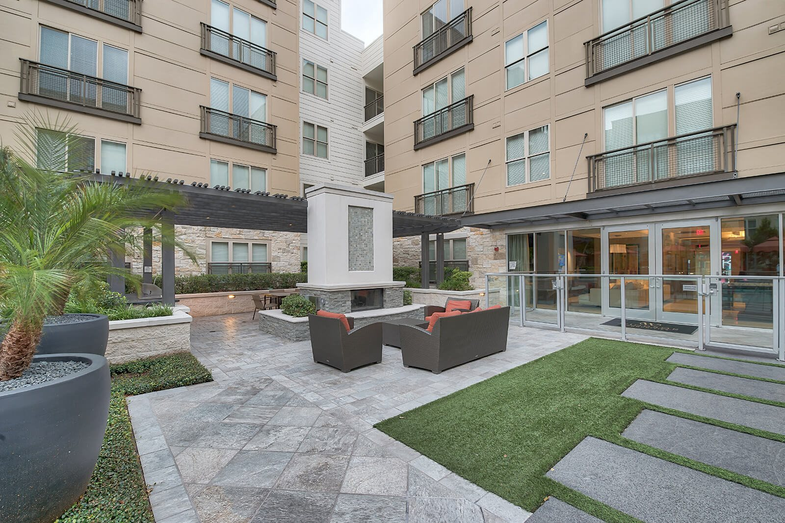 Expansive Courtyard at Windsor South Lamar, 809 S Lamar Blvd, Austin