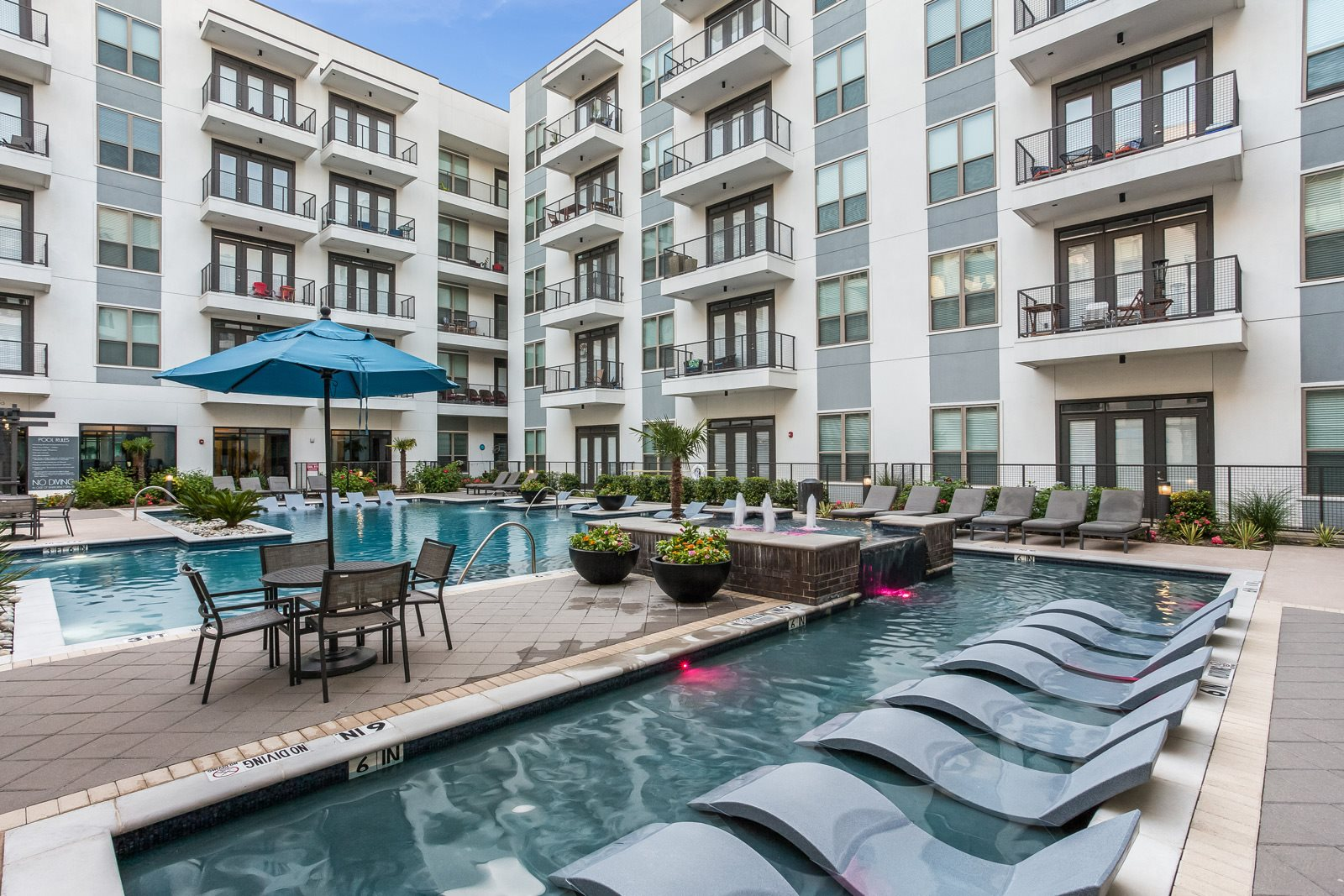 Resort-Style Pool at Windsor CityLine, Richardson, TX
