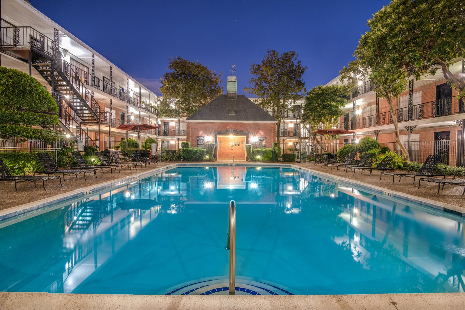 Ample Community Amenities at Allen House Apartments, Houston, 77019