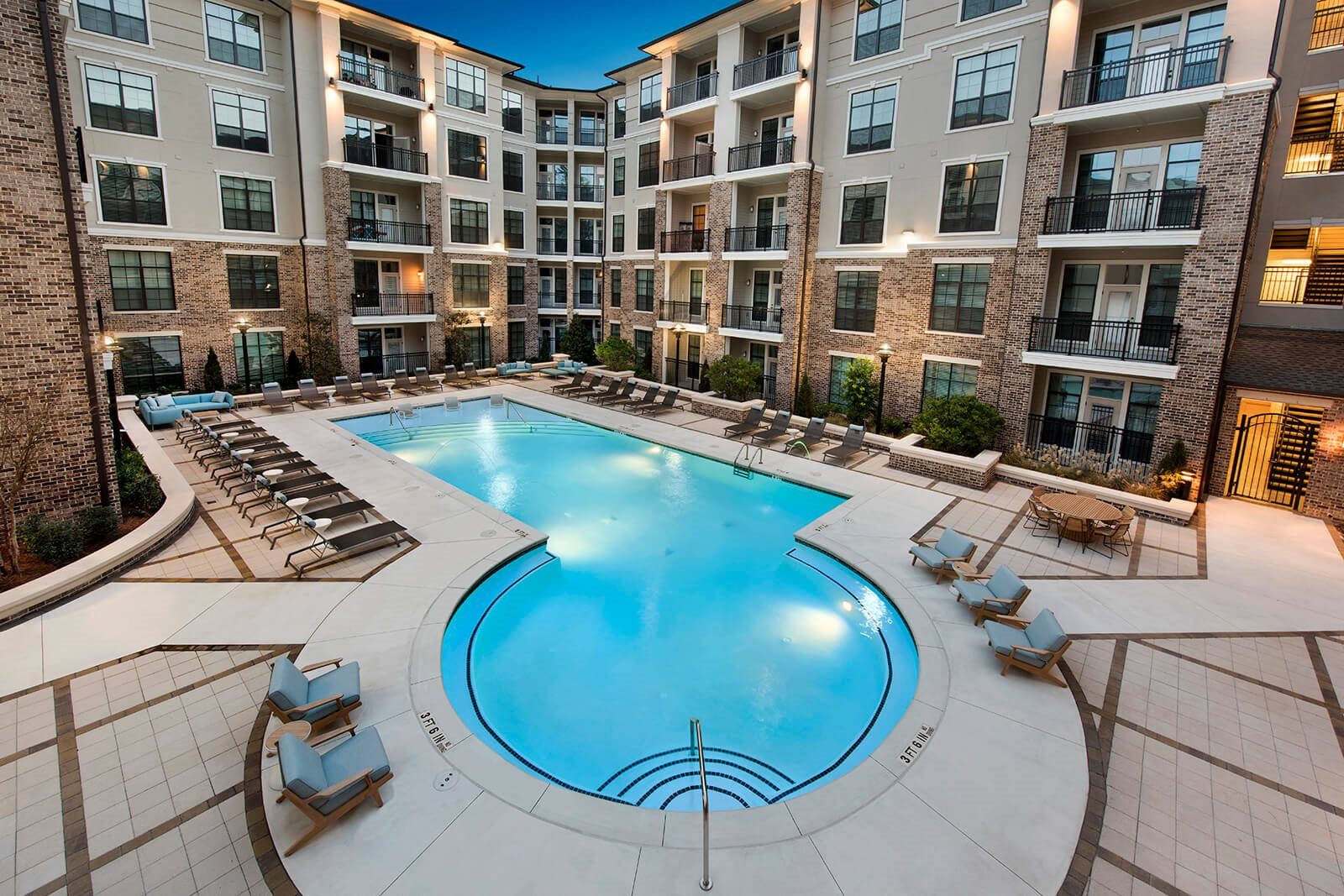 Comfortable Apartments with Expansive Amenities at Windsor Chastain, 255 Franklin Rd, GA
