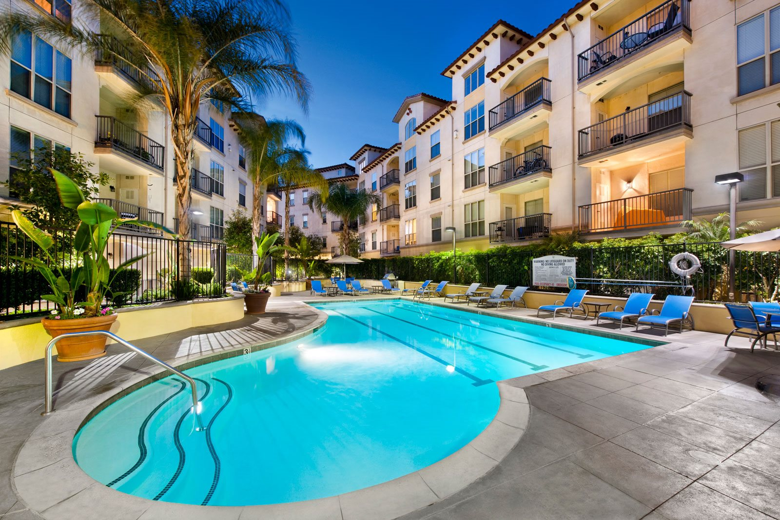 Resort-Style Pool at Windsor Lofts at Universal City, California, 91604