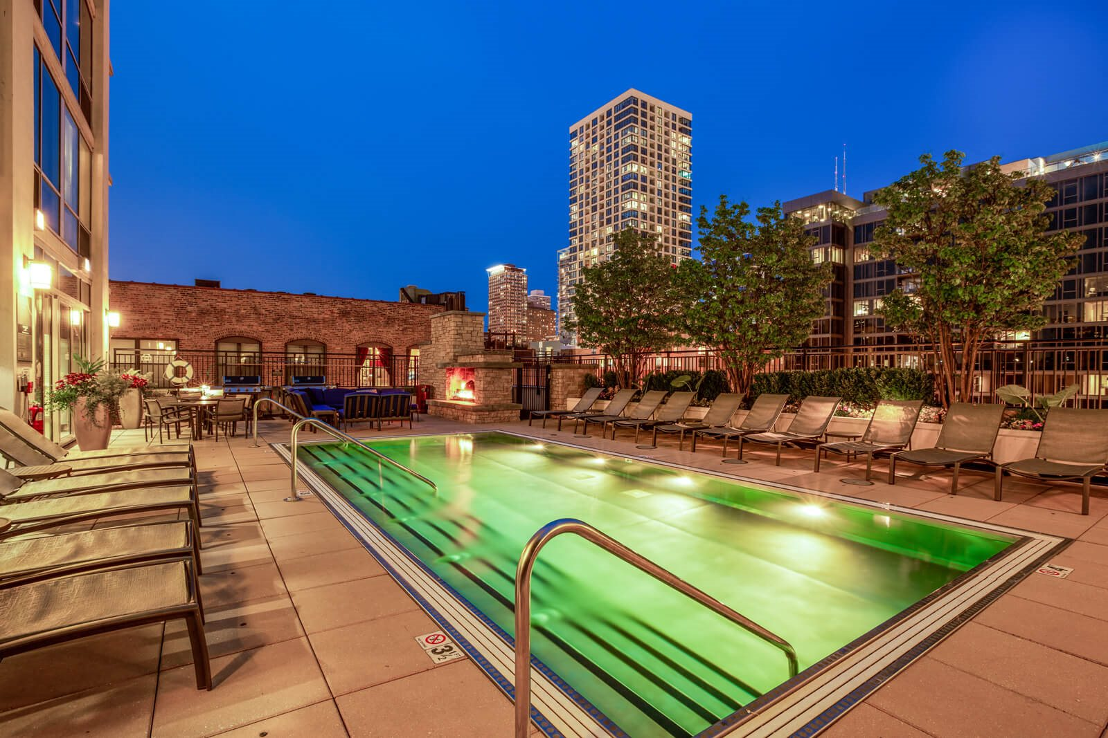 Resort-Style Pool at Flair Tower, Chicago, IL