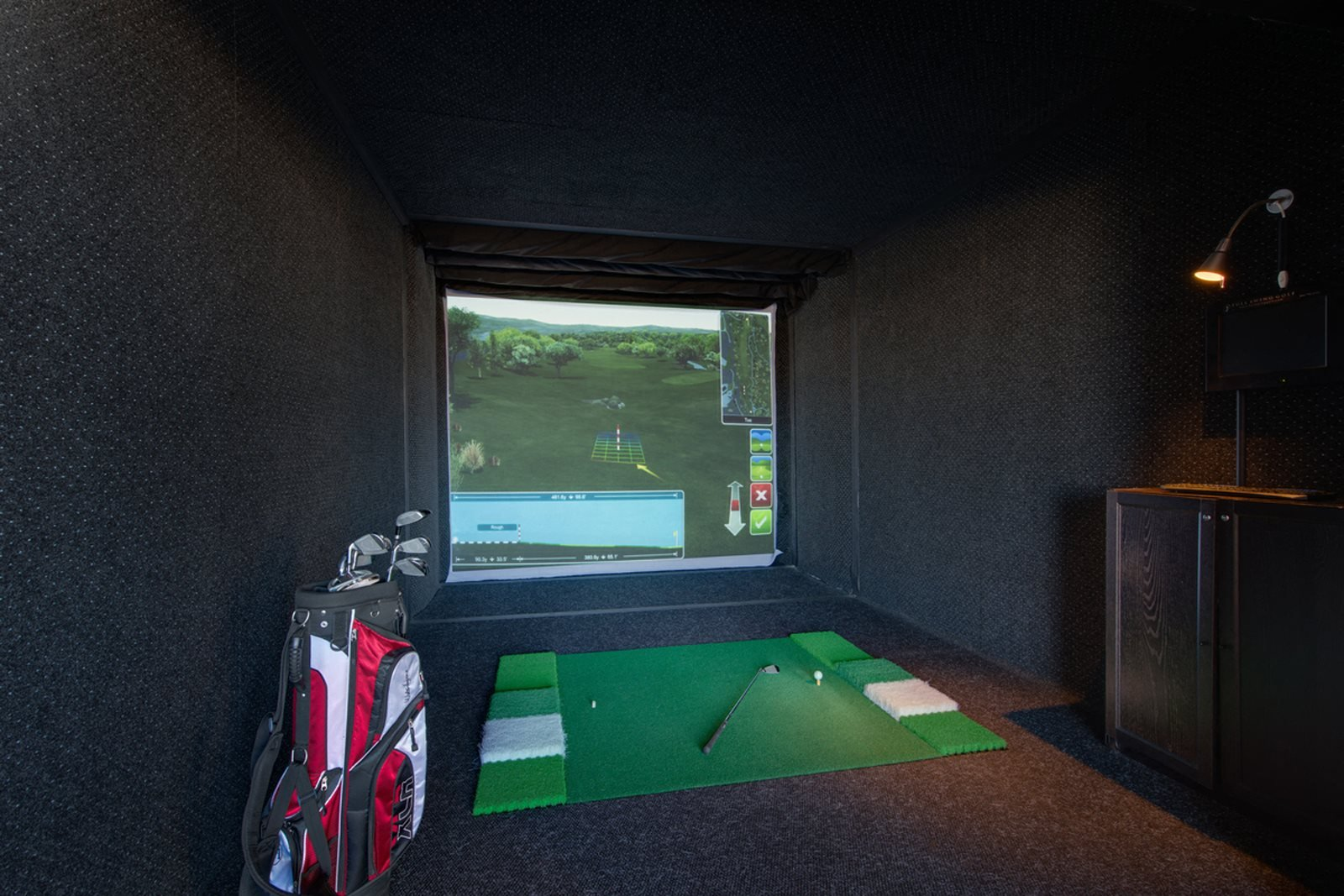 Golf Simulator at Halstead Tower by Windsor, 4380 King Street, Alexandria