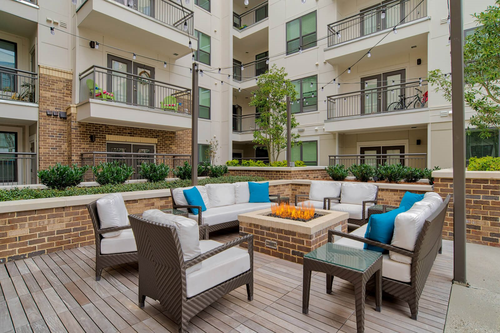 Courtyard Fire Pits with Surrounding Lounge Space at Windsor Old Fourth Ward, 608 Ralph McGill Blvd NE, Atlanta