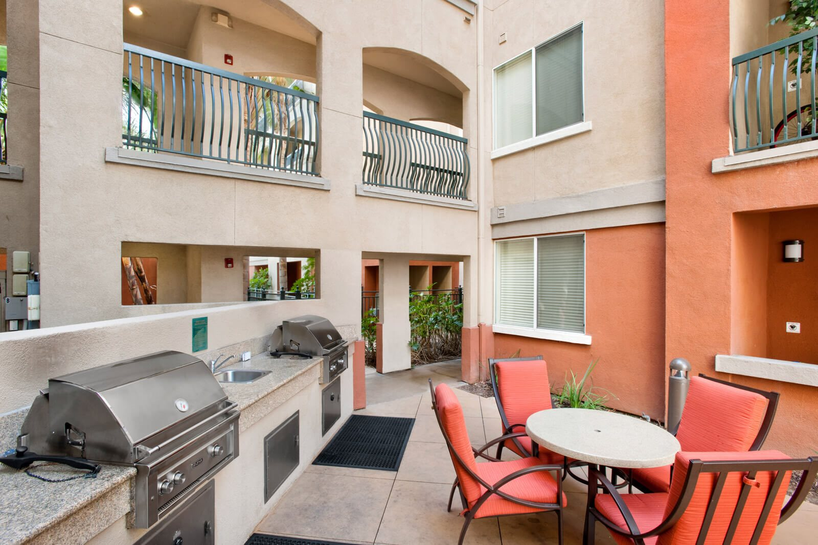 Community Grilling Stations and Outdoor Dining Area at Windsor at Main Place, Orange, 92868