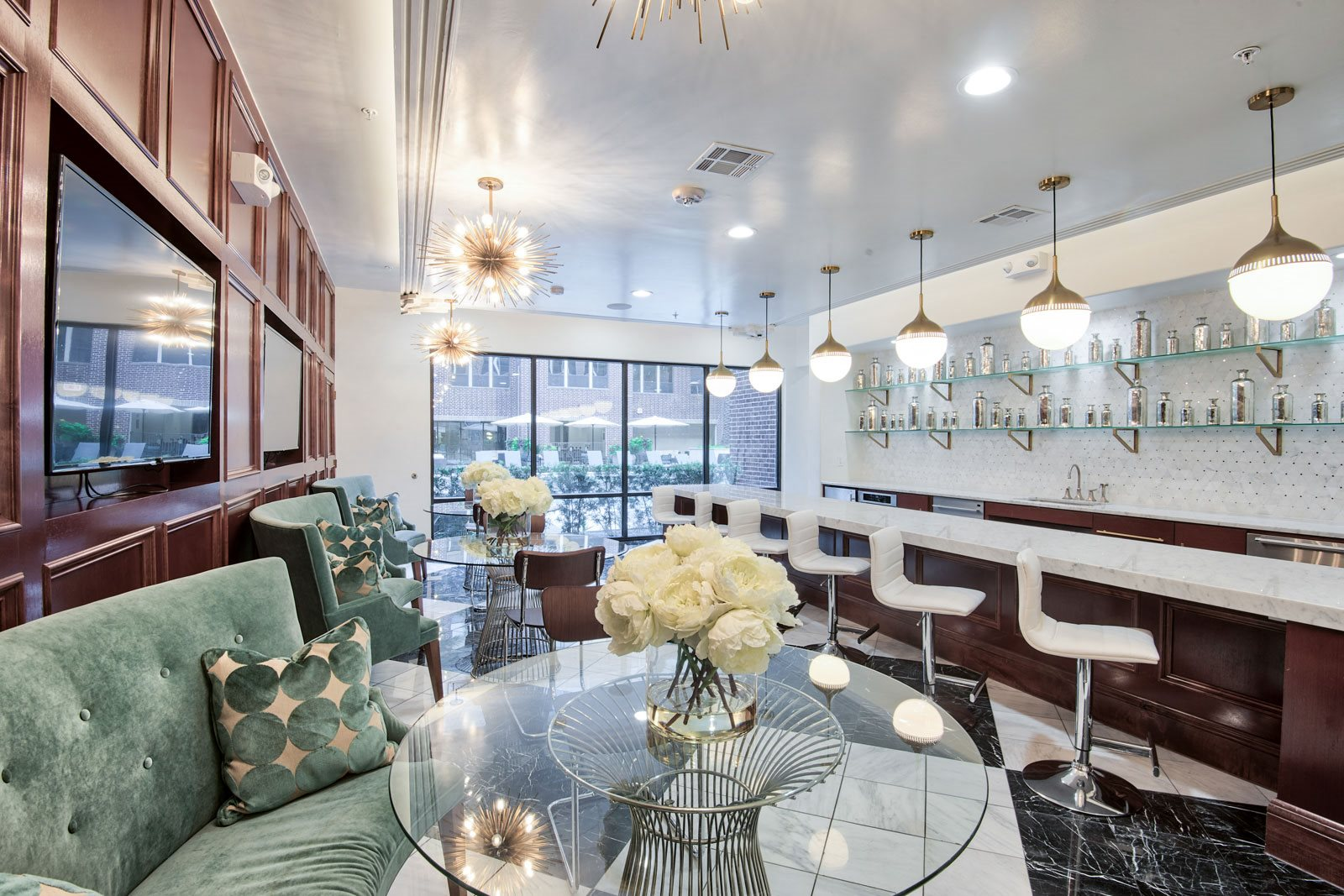 Resident Social Lounge at Midtown Houston by Windsor, Houston, 77002