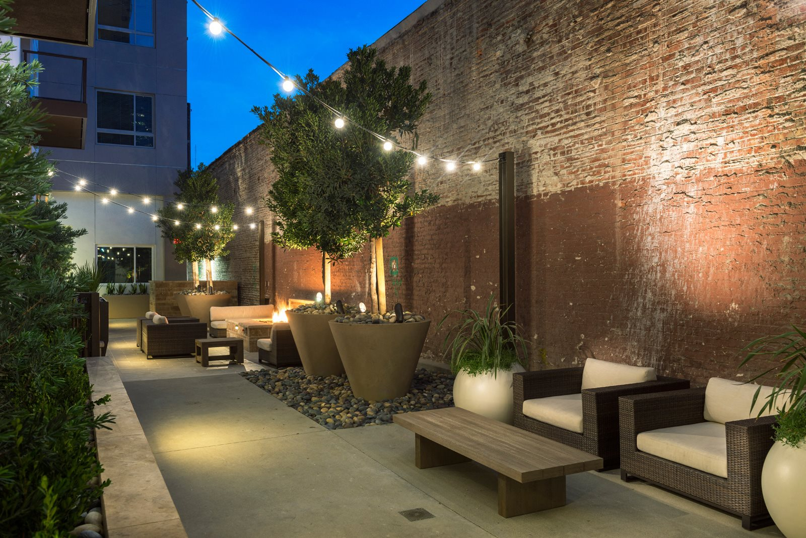 Beautiful Outdoor Lounge Space at 1000 Grand by Windsor, California, 90015