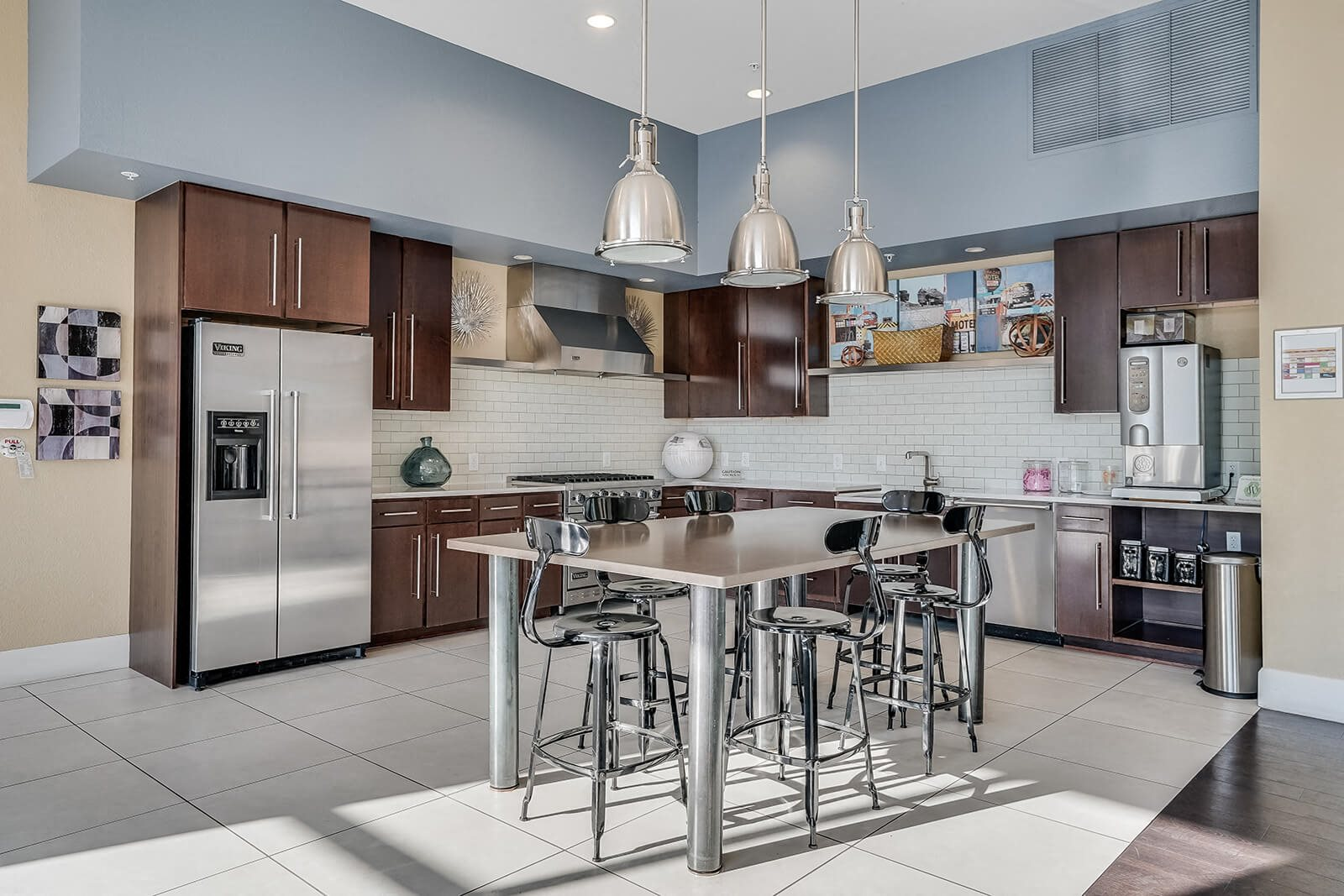 Clubroom With A Fully Equipped Kitchen at Windsor at Broadway Station, 1145 S. Broadway, Denver