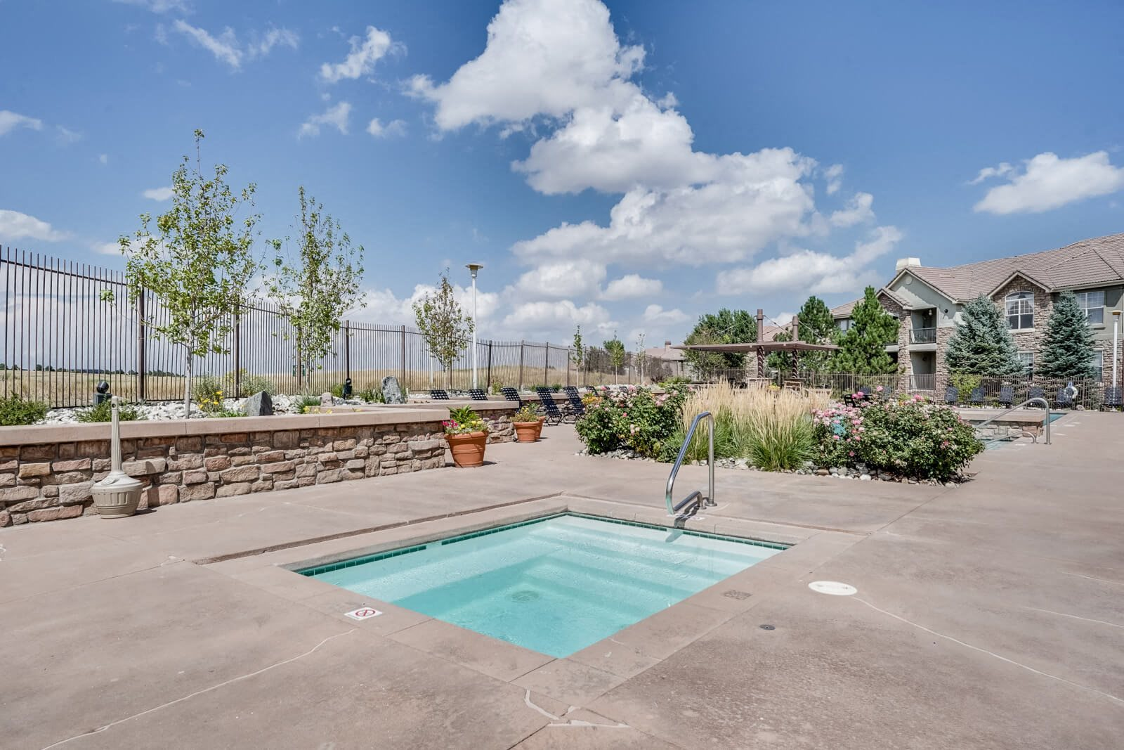 Jacuzzi at Windsor at Meridian, 9875 Jefferson Parkway, CO