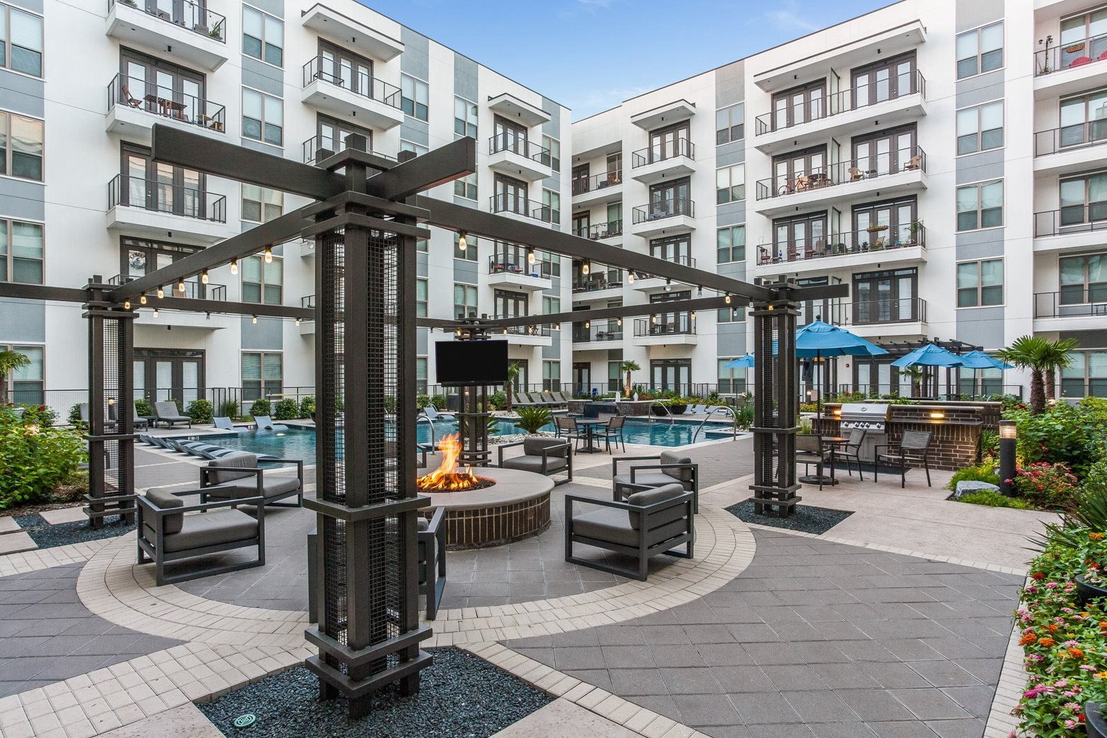 Pool and Firepit at Windsor CityLine, Richardson, 75082