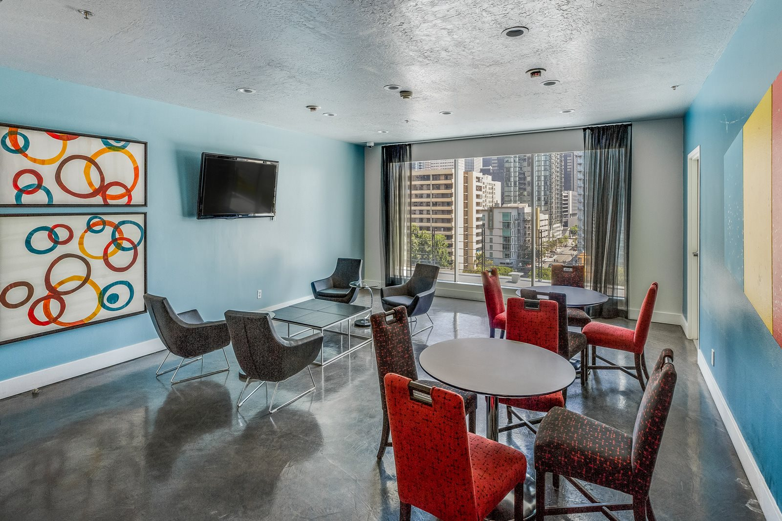 Sky Lounge with WiFi and Flat-Screen TV at Renaissance Tower, 501 W. Olympic Boulevard, CA