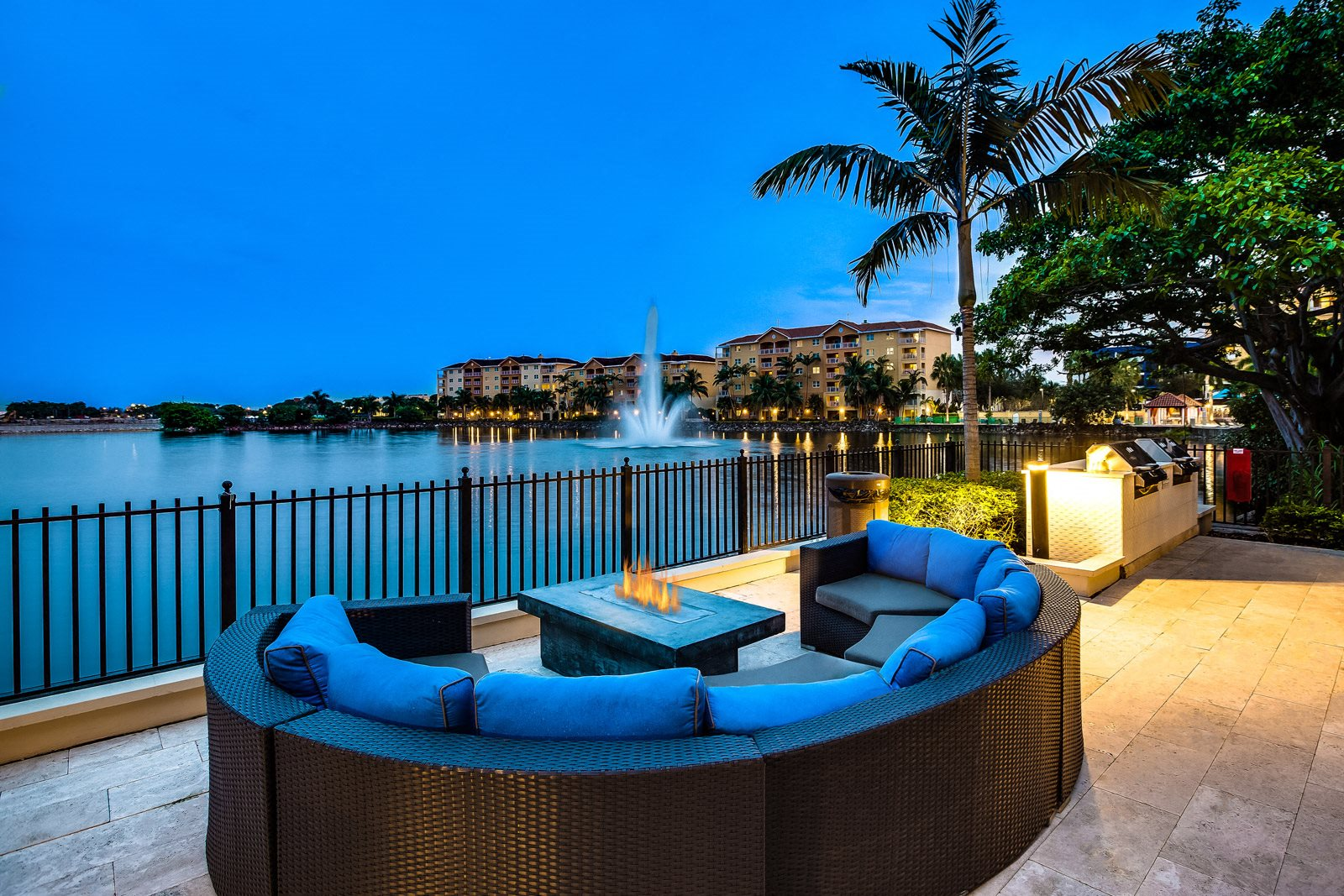 Relaxing Outdoor Lounge Area with Fire Pit at Windsor at Doral, 4401 NW 87th Avenue, Doral