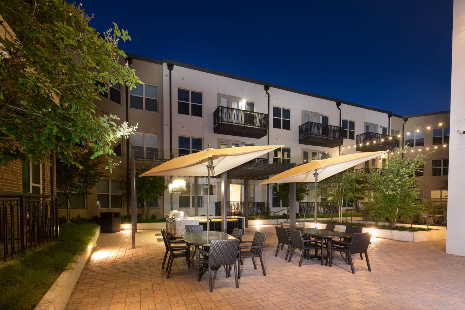 Dine under the stars at Windsor West Lemmon, 75209, TX