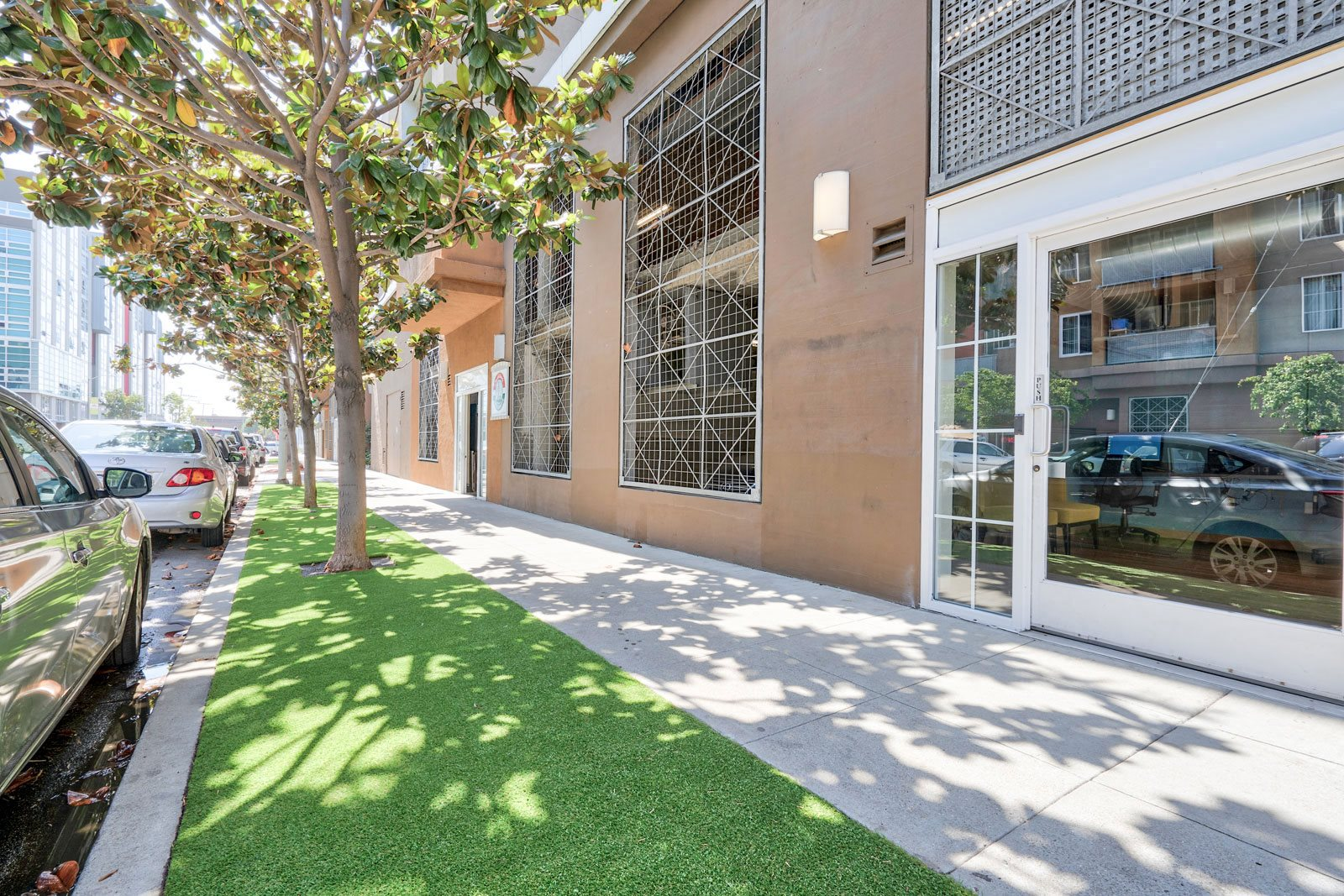 Pet-Friendly Community with Turf Area at Allegro at Jack London Square, 240 3rd Street, CA