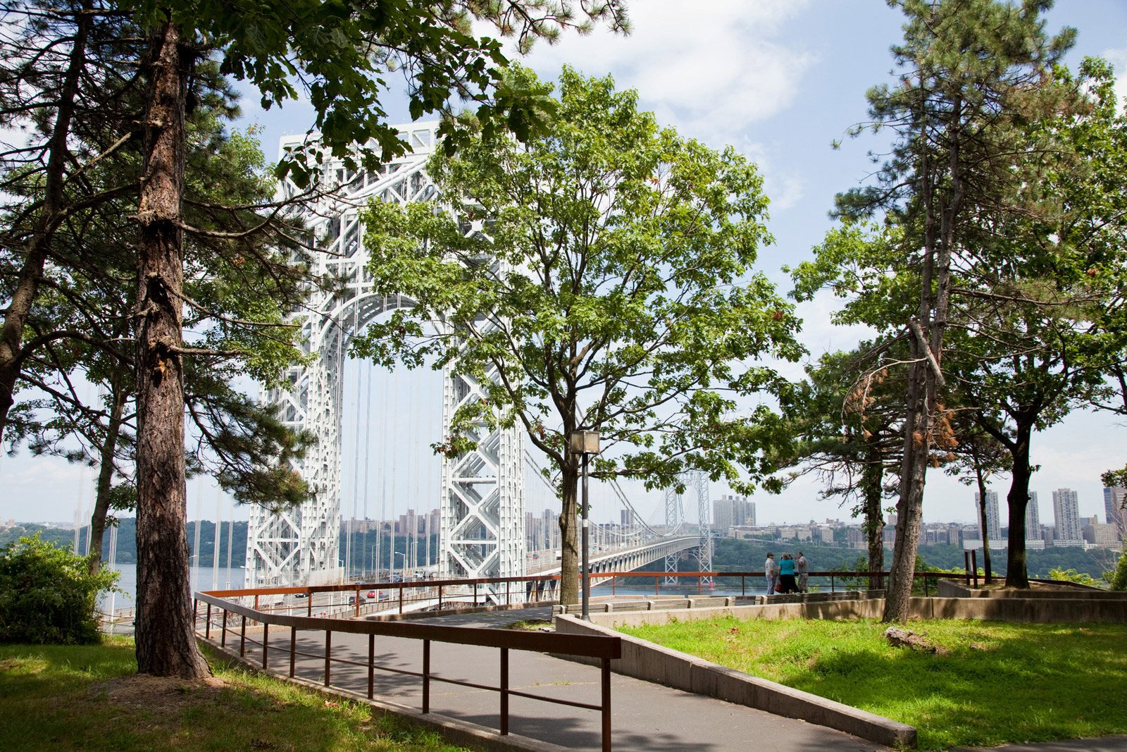 Trail access at Twenty50 by Windsor, Fort Lee, New Jersey