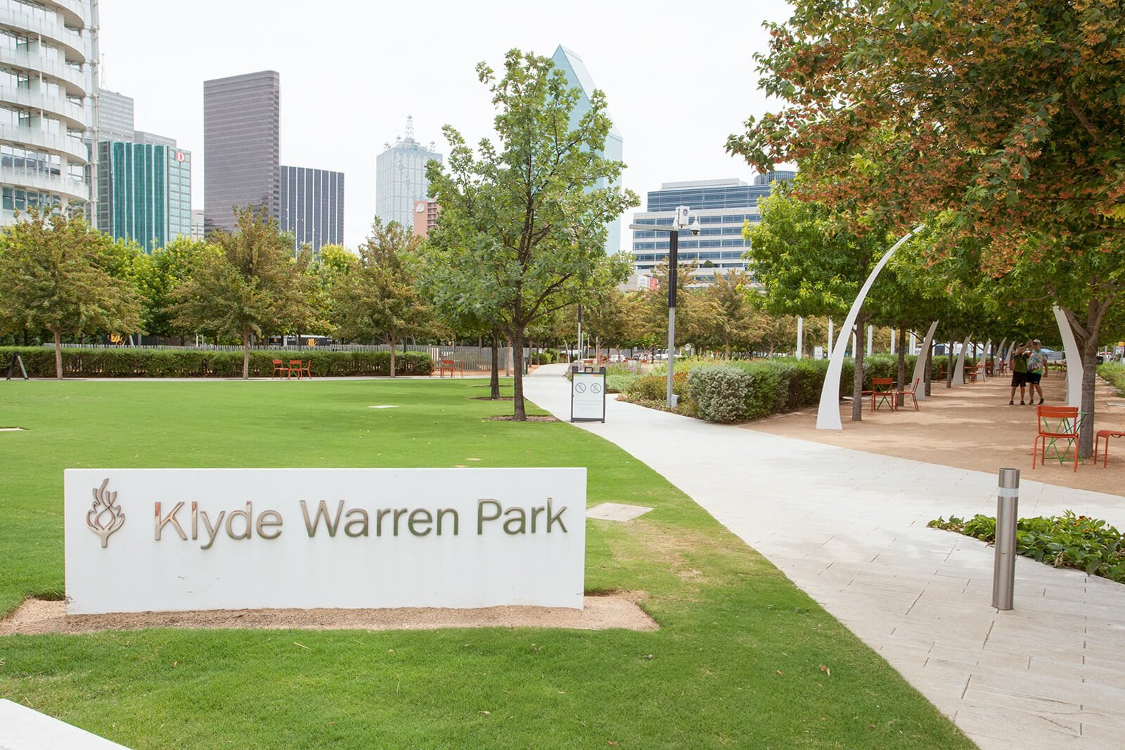 Apartments Close To Klyde Warren Park at Glass House by Windsor, Dallas, 75201