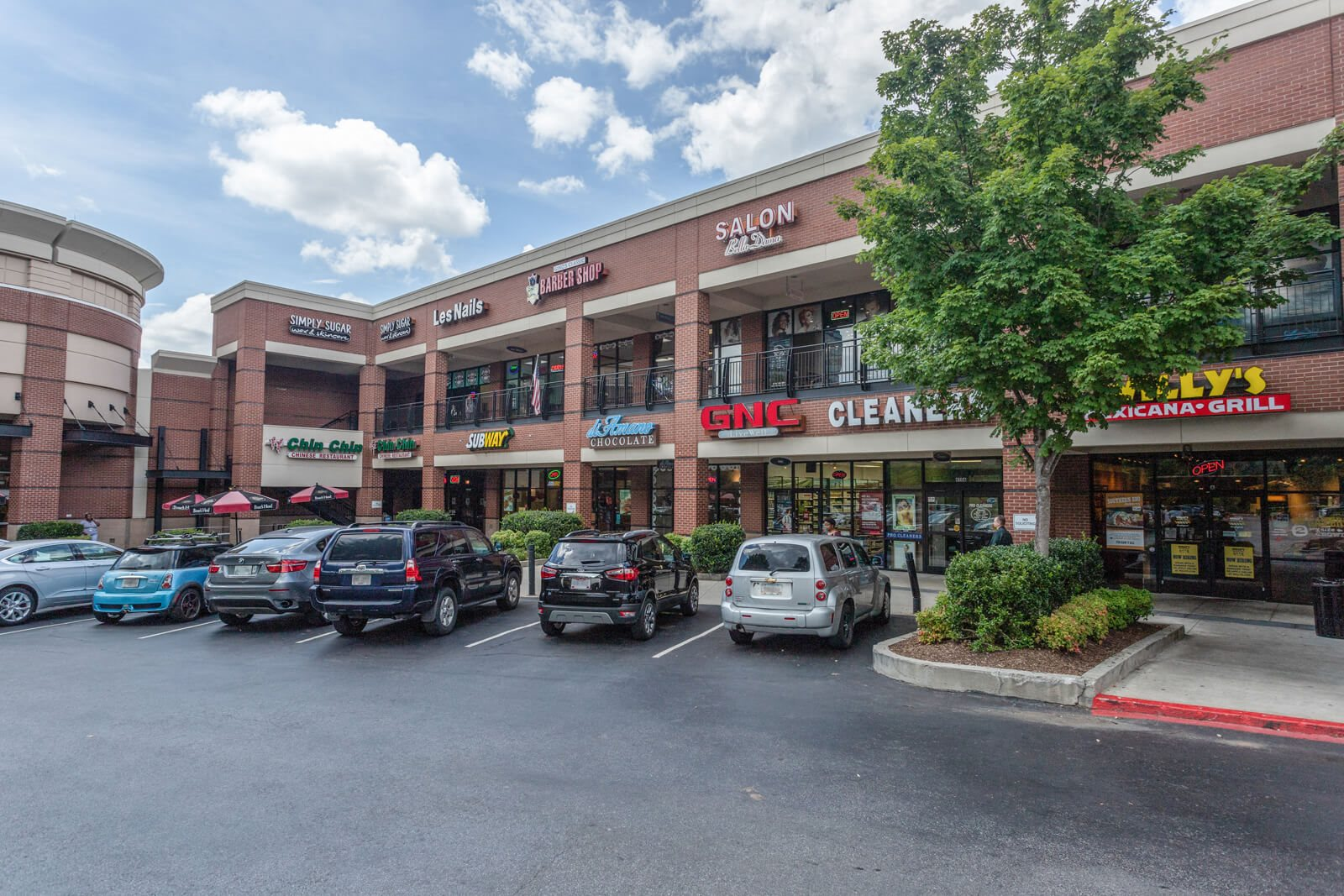 Nearby Shopping And Dining at Windsor at Glenridge, Sandy Springs, 30342