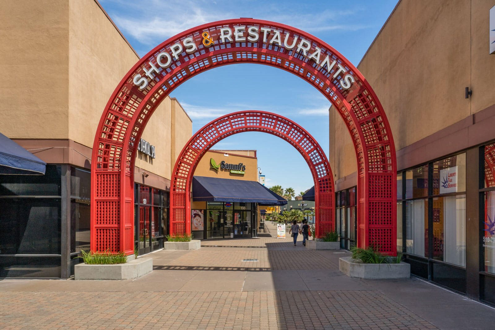 Dining and Shopping at Gateway Plaza near The Estates at Park Place, 3400 Stevenson Boulevard, CA