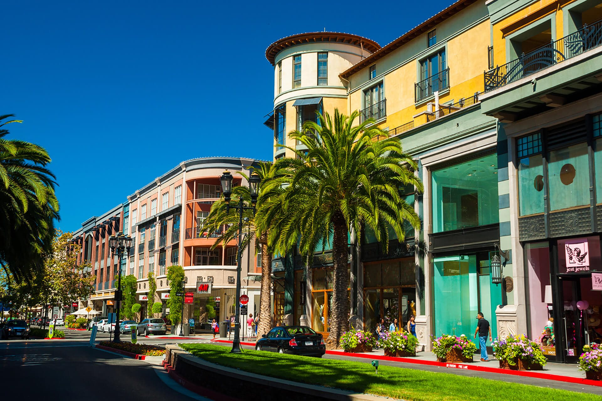 Downtown San Jose shopping near Cannery Park by Windsor, California, 95112