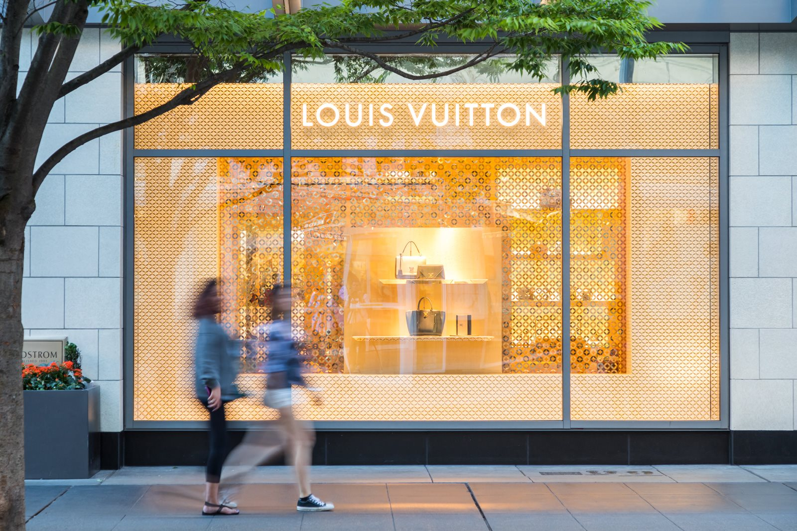 Nearby Shopping includes Louis Vuitton at Stratus, 820 Lenora St., Seattle