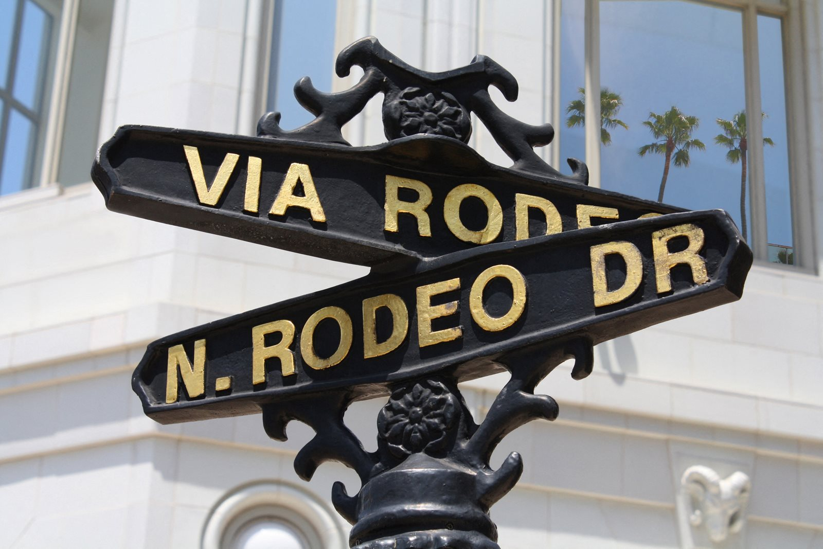 Close to Rodeo Drive at 1000 Grand by Windsor, 1000 S Grand Ave,, Los Angeles