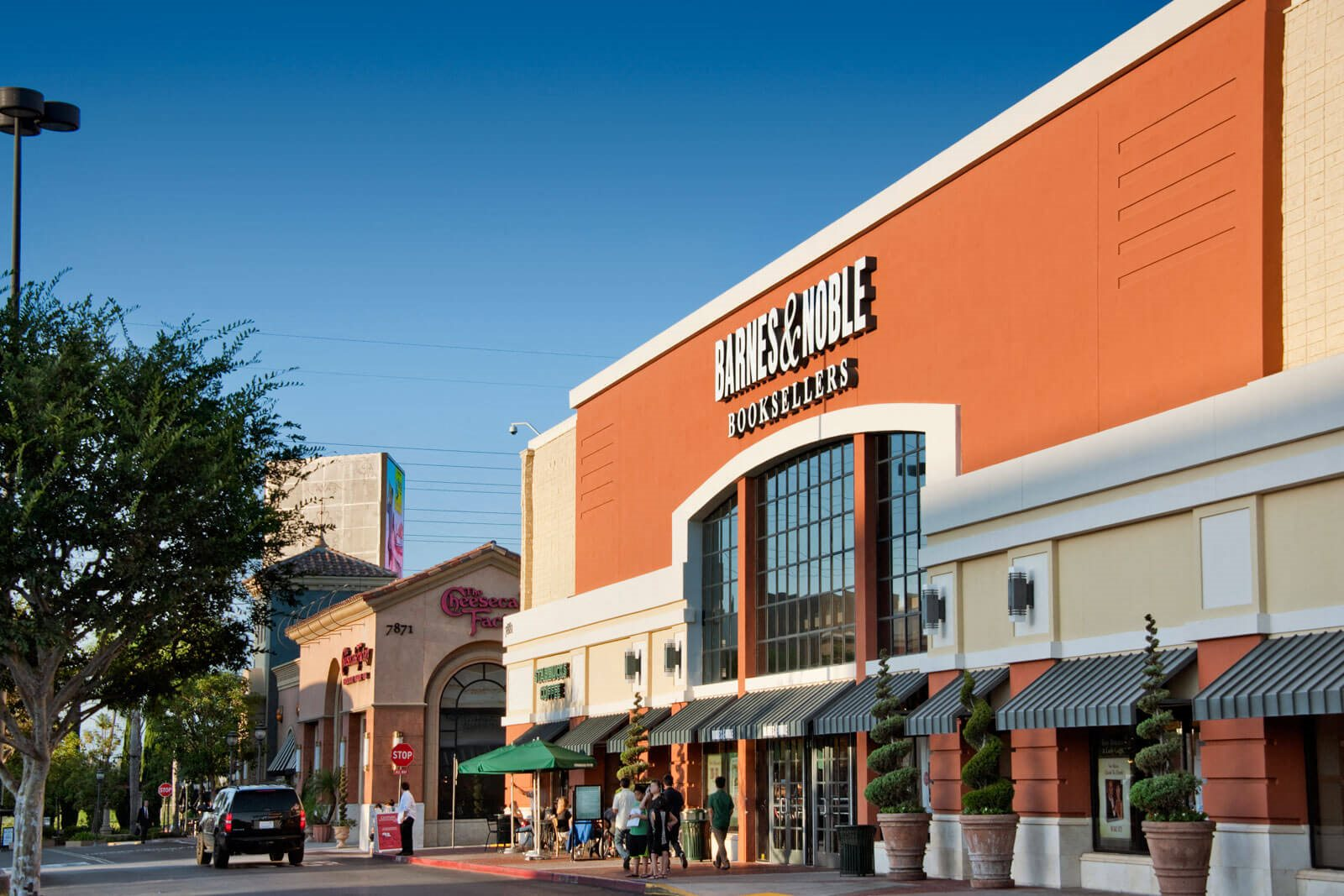 Nearby Barnes and Noble close to Boardwalk by Windsor, 7461 Edinger Ave., CA