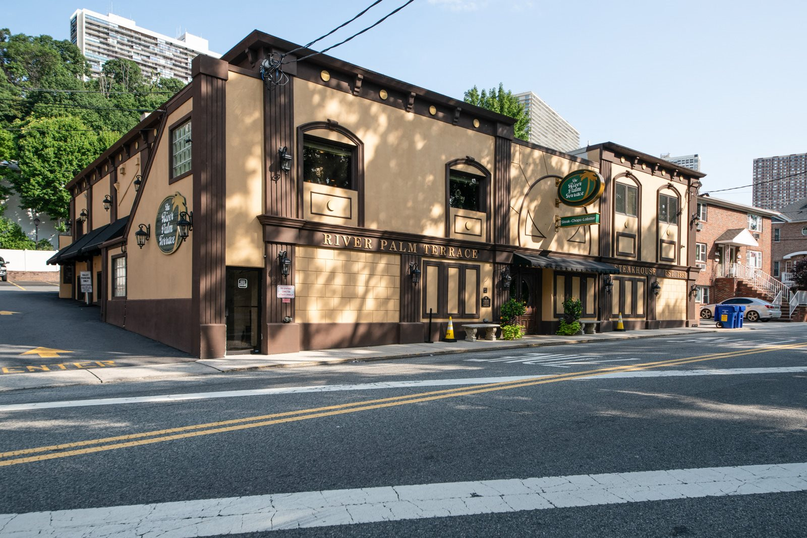 Lots of Dining Options Nearby at Twenty50 by Windsor, Fort Lee, New Jersey