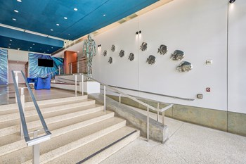 1725 Ocean Front Walk Studio Apartment for Rent Photo Gallery 1
